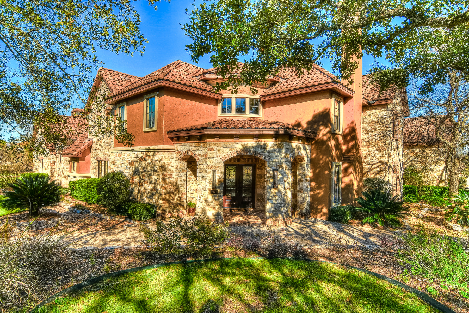 Single Family Home for Sale at Luxurious Living in Waterford Heights 257 Lismore San Antonio, Texas, 78260 United States