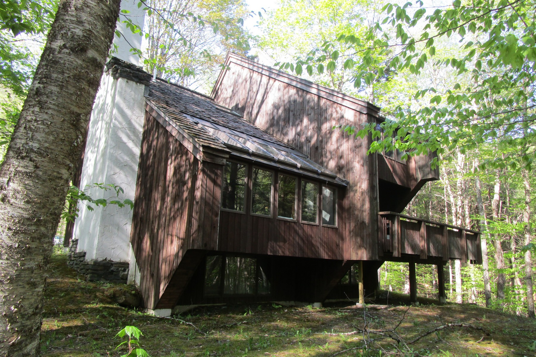 single family homes for Sale at Nestled into the woods at Hawk Resort 148 Hawk Hollow Plymouth, Vermont 05056 United States