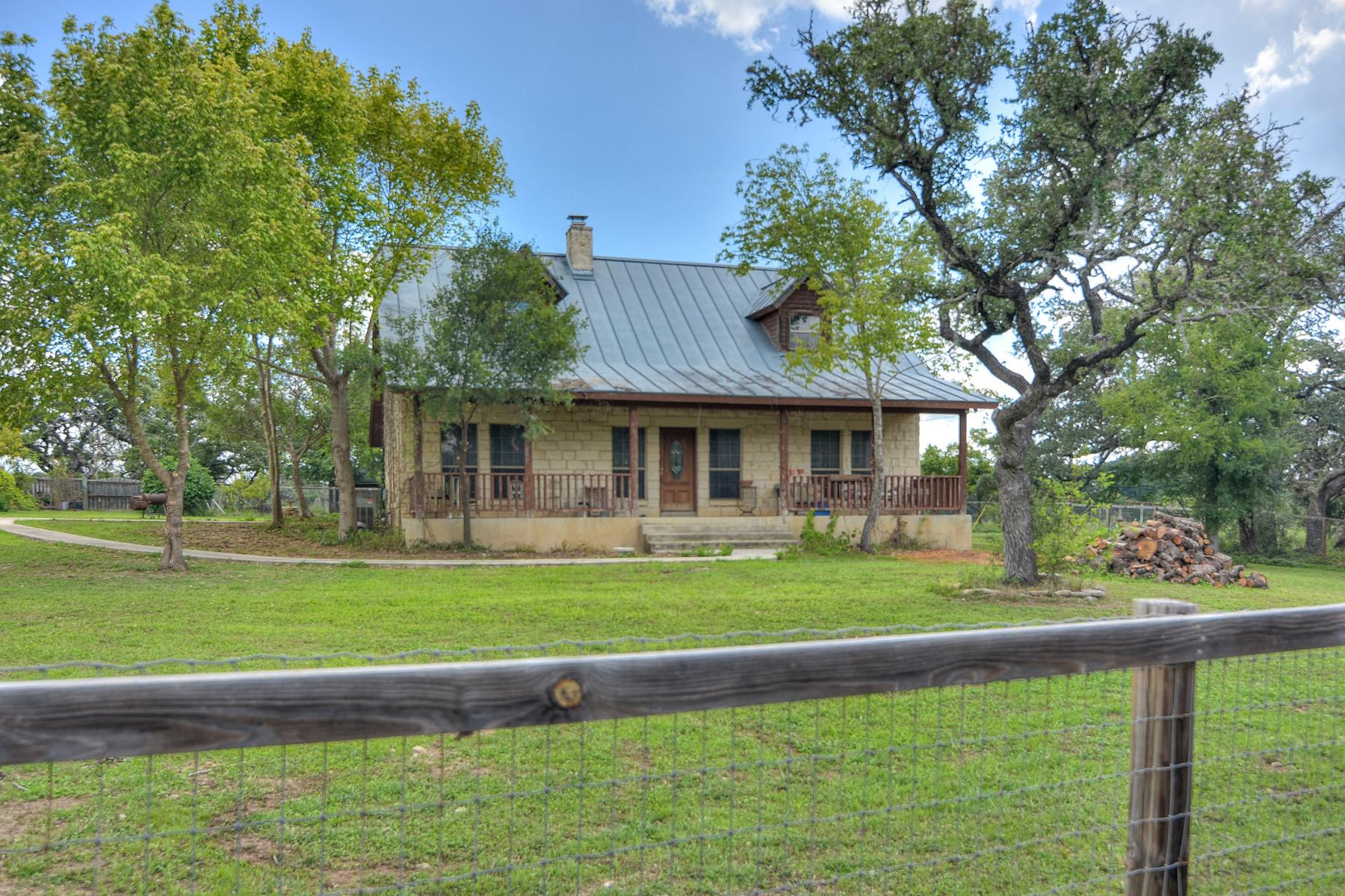 Ferme / Ranch / Plantation pour l Vente à Darmstat Creek Ranch 912 Fm 473 Boerne, Texas, 78006 États-Unis