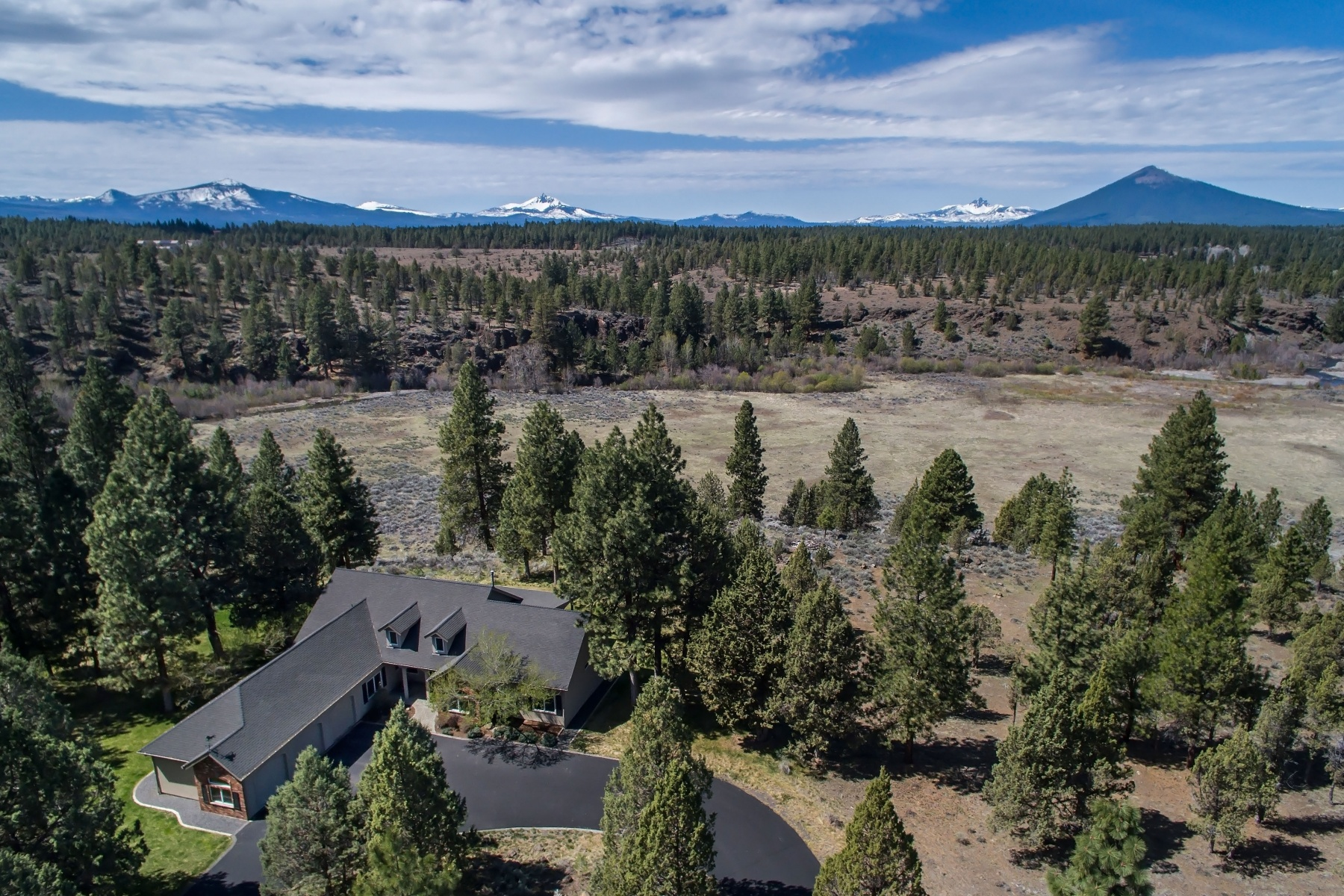Single Family Home for Sale at One-of-a-kind Setting in Sisters 69225 Hawksflight Dr Sisters, Oregon, 97759 United States