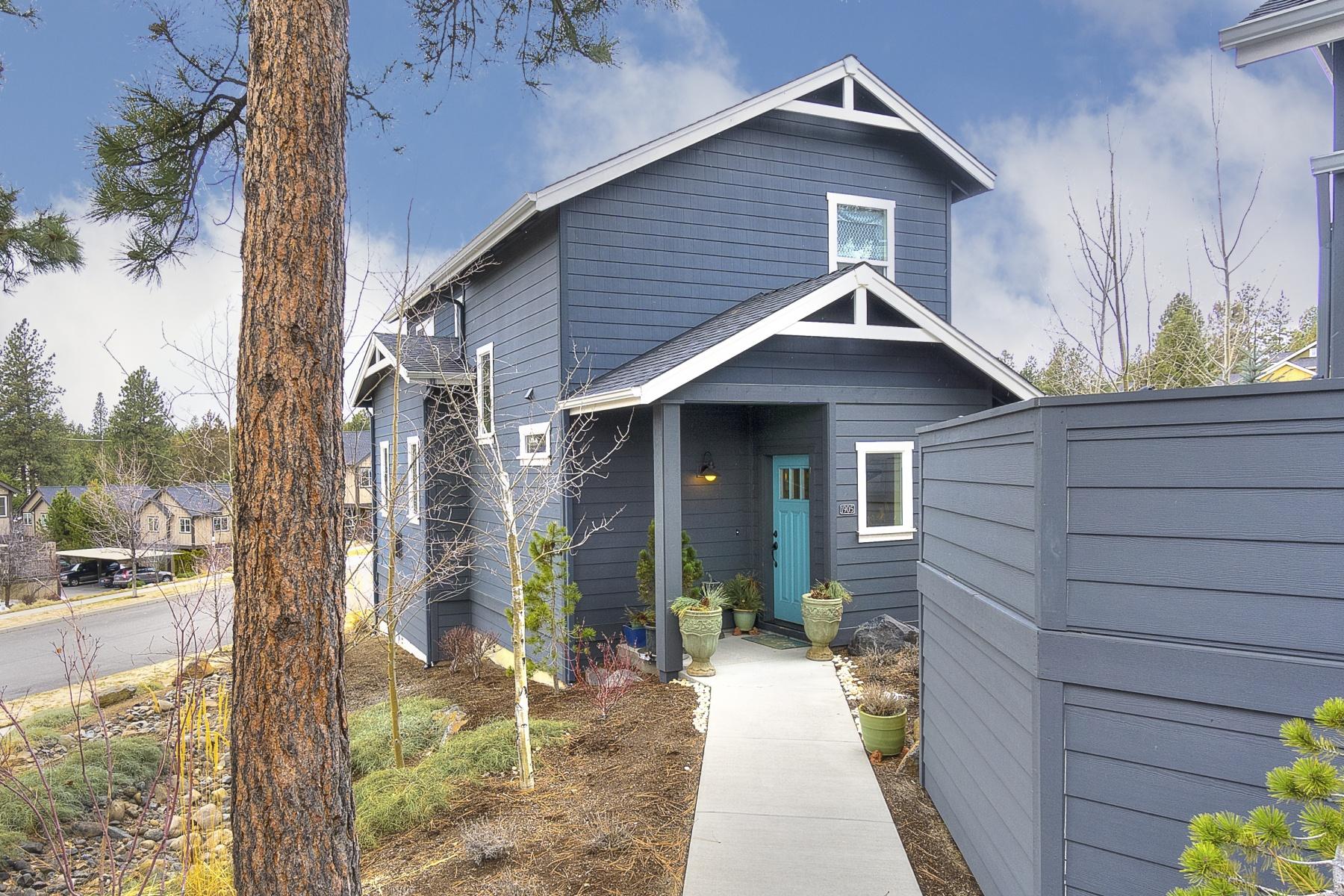 Condomínio para Venda às Cottage Style Condo 1905 NW Monterey Mews 3 Bend, Oregon, 97703 Estados Unidos