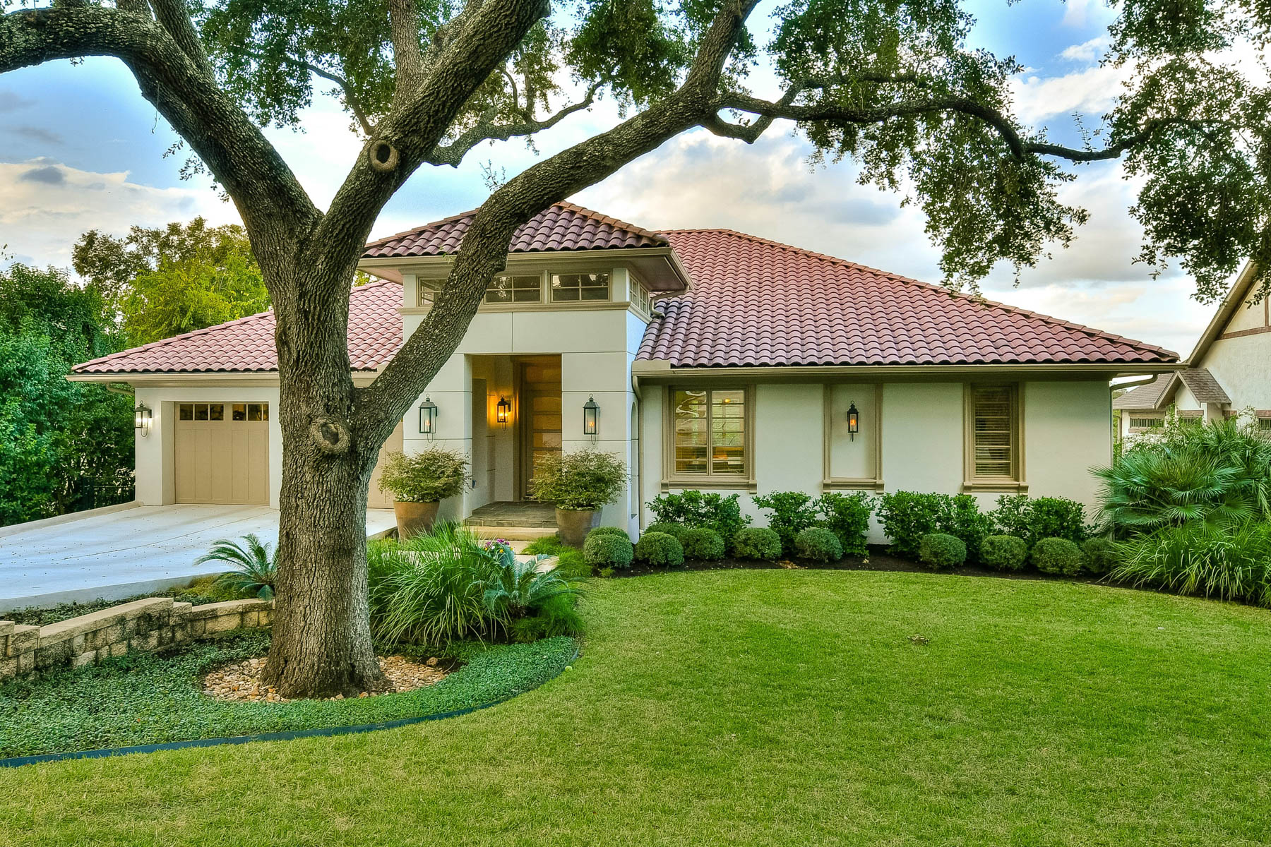 Single Family Home for Sale at Meticulously Cared for Home in Terrell Hills 723 Elizabeth Rd San Antonio, Texas 78209 United States