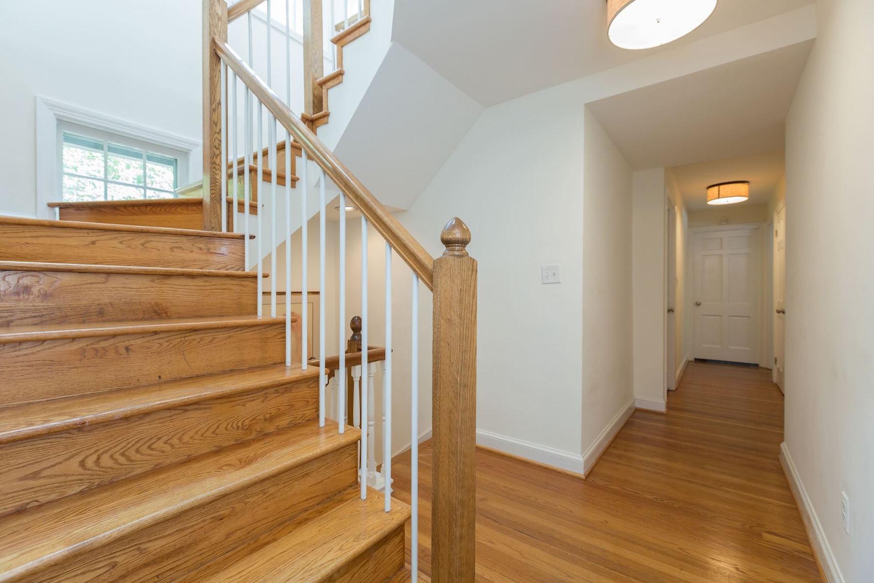 Additional photo for property listing at 5153 Tilden Street  Washington, 컬럼비아주 20016 미국