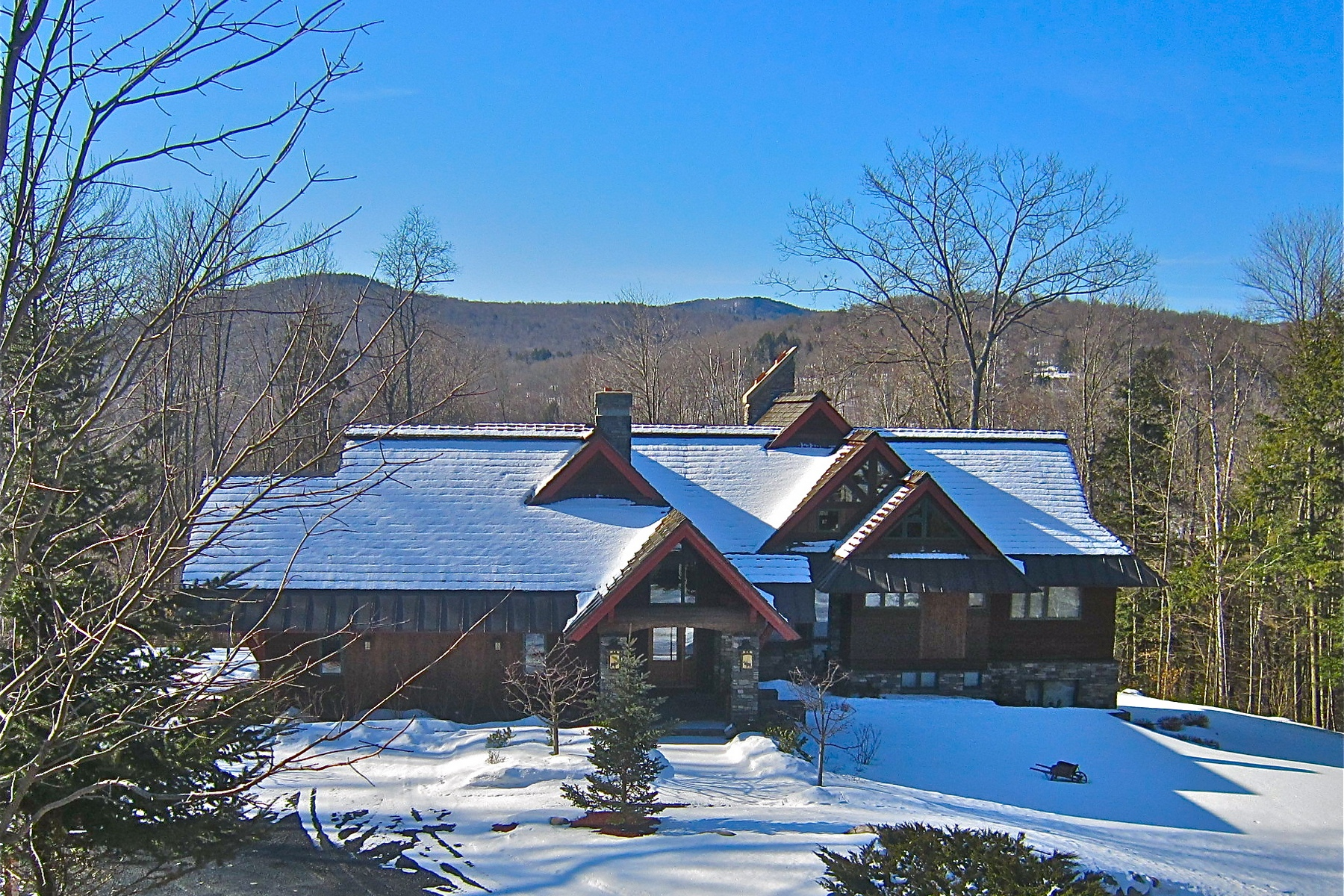 واحد منزل الأسرة للـ Sale في Simply one of the most beautiful homes in Vermont! 40 East Ash, Plymouth, Vermont, 05056 United States