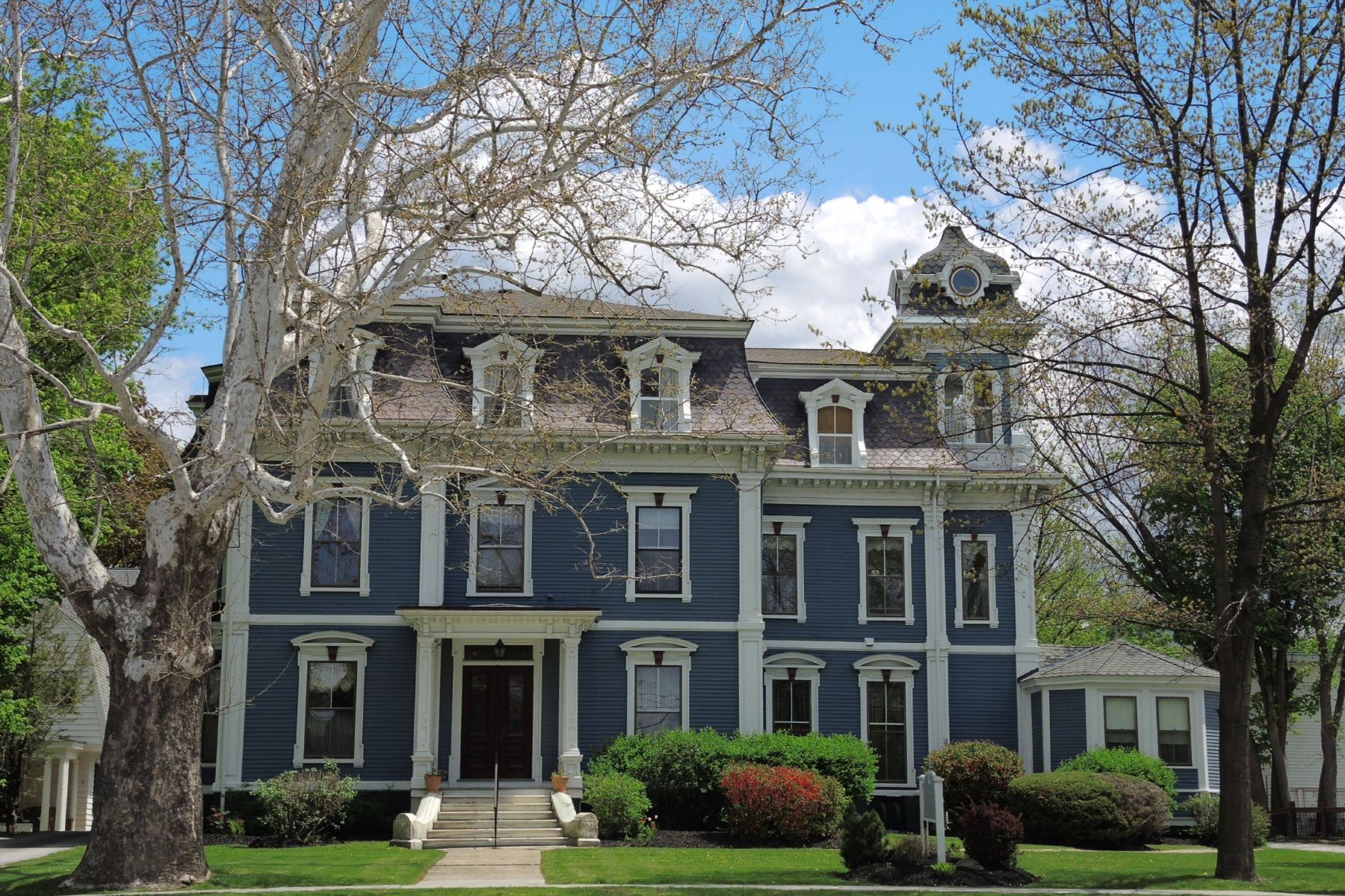 Condominiums for Sale at Classic Elegance 24 South Main St 1 Rutland, Vermont 05701 United States