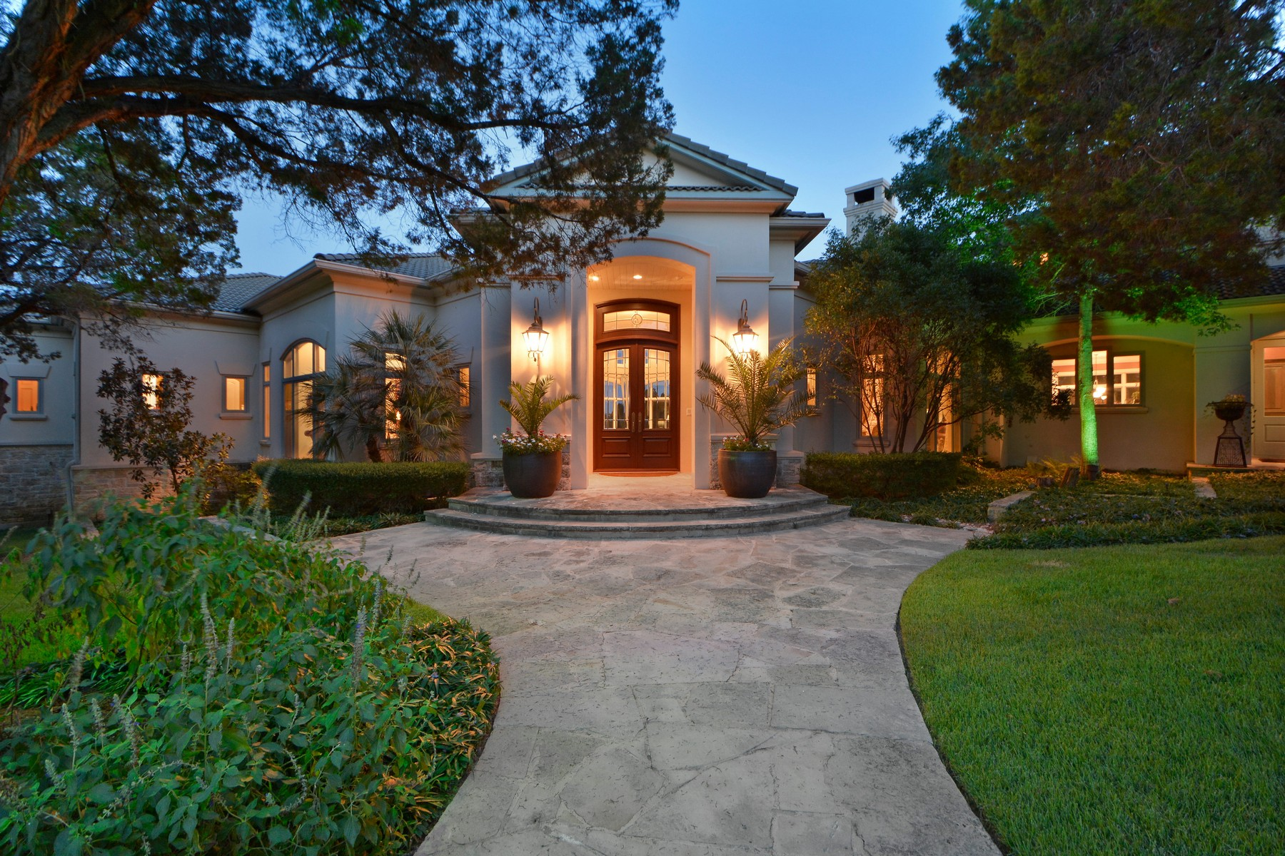 Single Family Home for Sale at Extremely Rare and Beautiful Equestrian Ranch 905 Crystal Mountain Dr Austin, Texas 78735 United States
