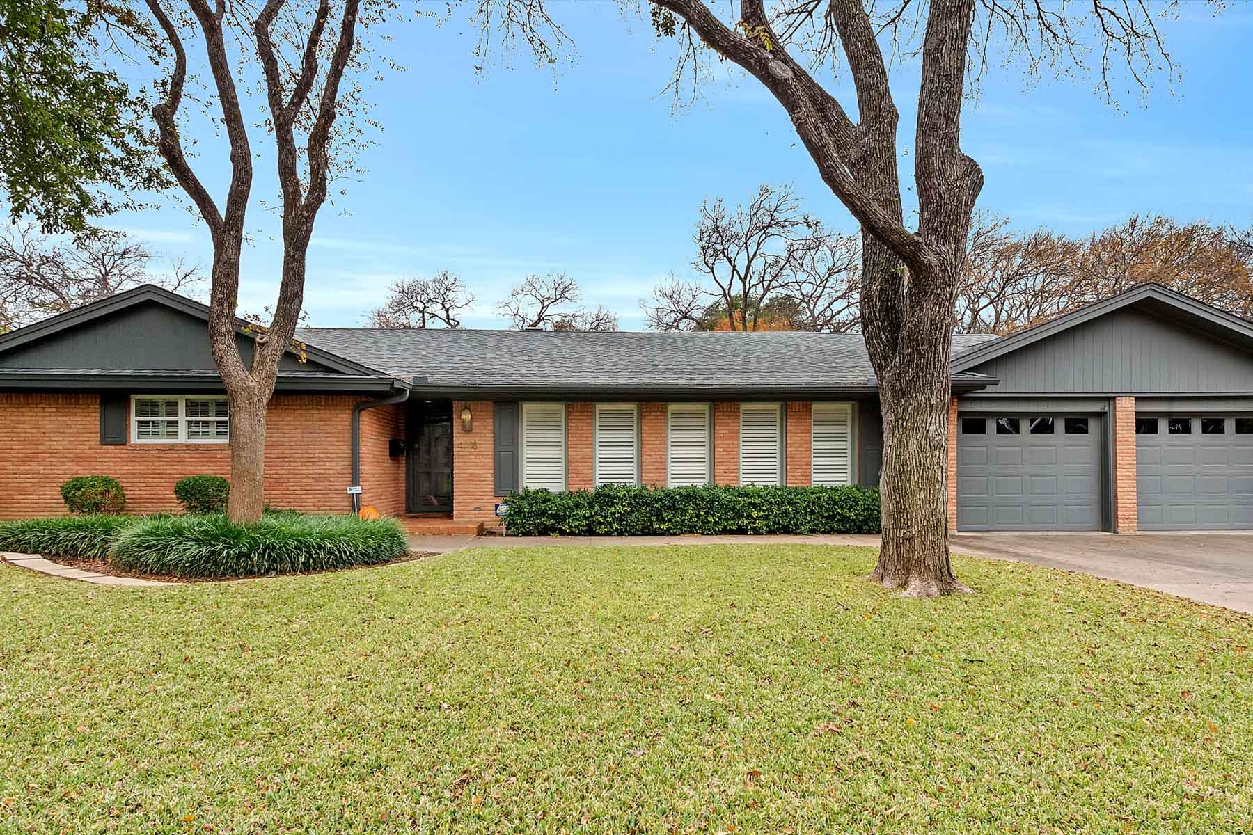 独户住宅 为 销售 在 4308 Inwood Road, Fort Worth 4308 Inwood Rd 沃斯堡市, 得克萨斯州, 76109 美国