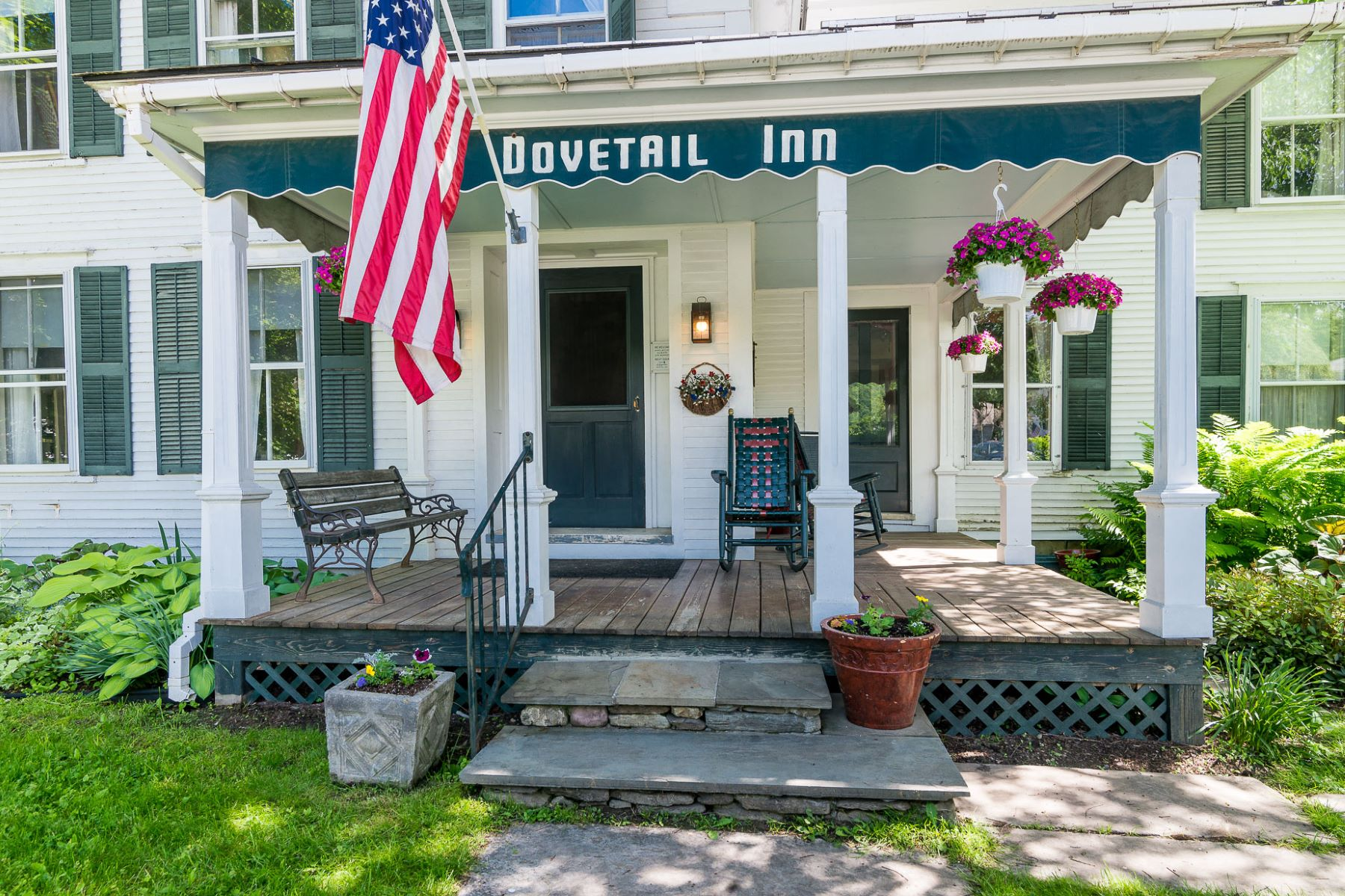 واحد منزل الأسرة للـ Sale في Unique Dorset Opportunity 3378 Route 30 Dorset, Vermont, 05251 United States