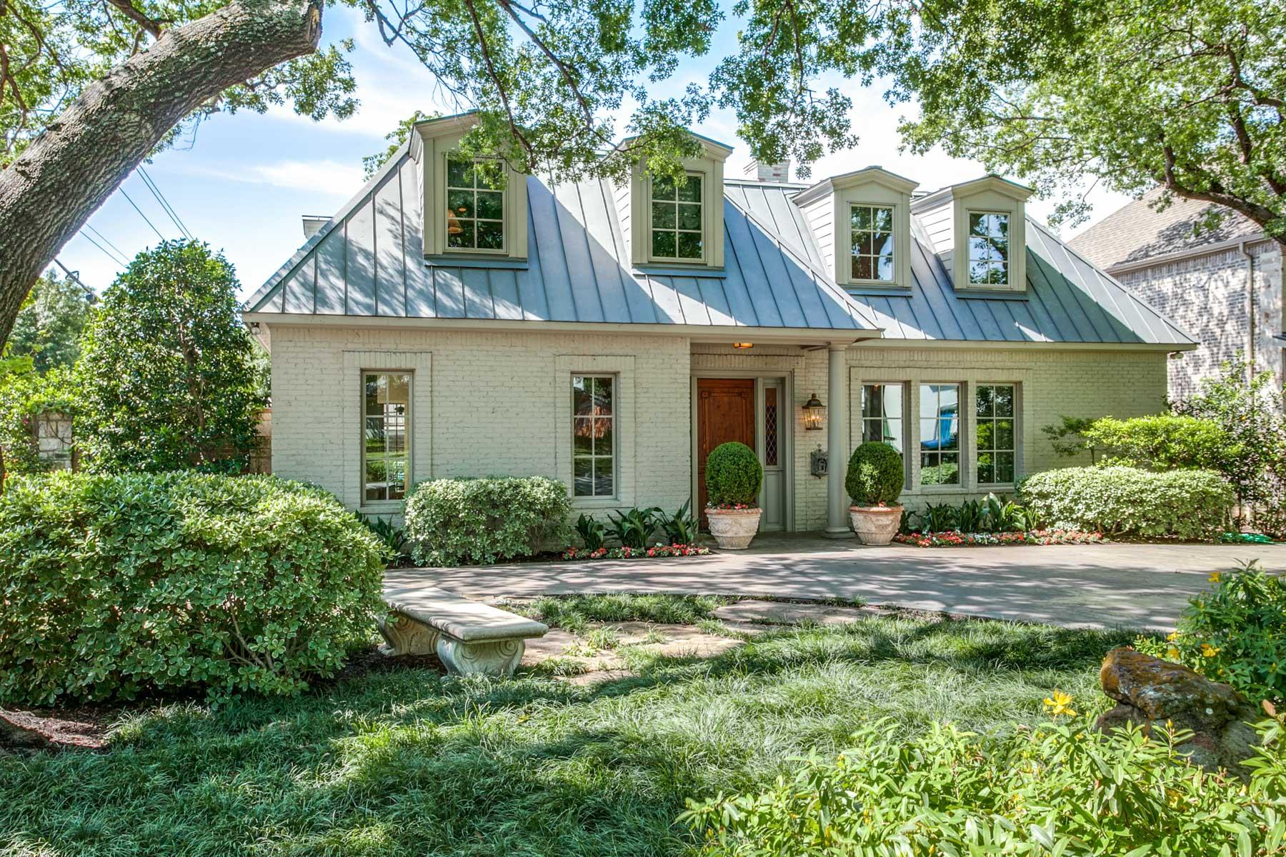 Частный односемейный дом для того Продажа на Caruth Hills Custom Build 7542 Colgate Ave Dallas, Техас, 75225 Соединенные Штаты