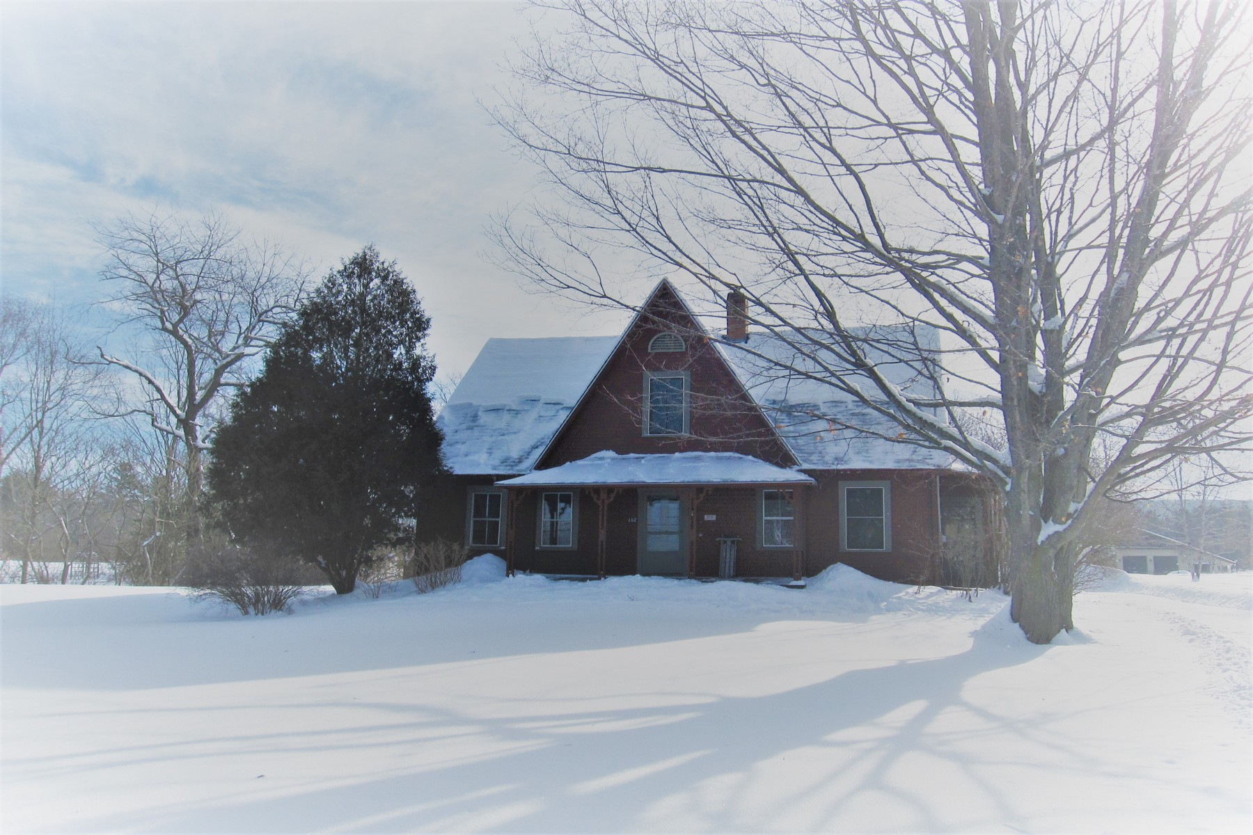 Single Family Home for Sale at 182 Dartmouth College Hwy, Haverhill Haverhill, New Hampshire, 03765 United States