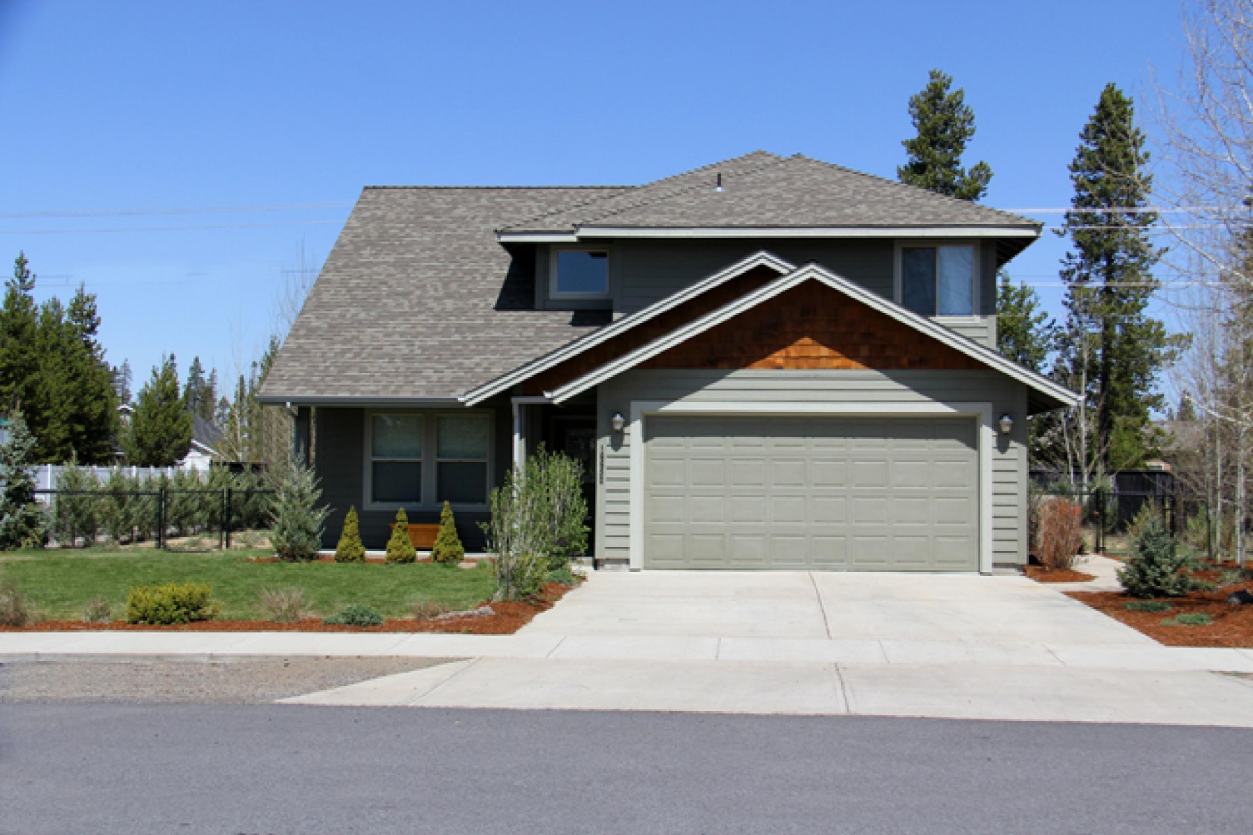 Single Family Home for Sale at 16650 Apache Tears Court, LA PINE 16650 Apache Tears Ct La Pine, Oregon, 97739 United States