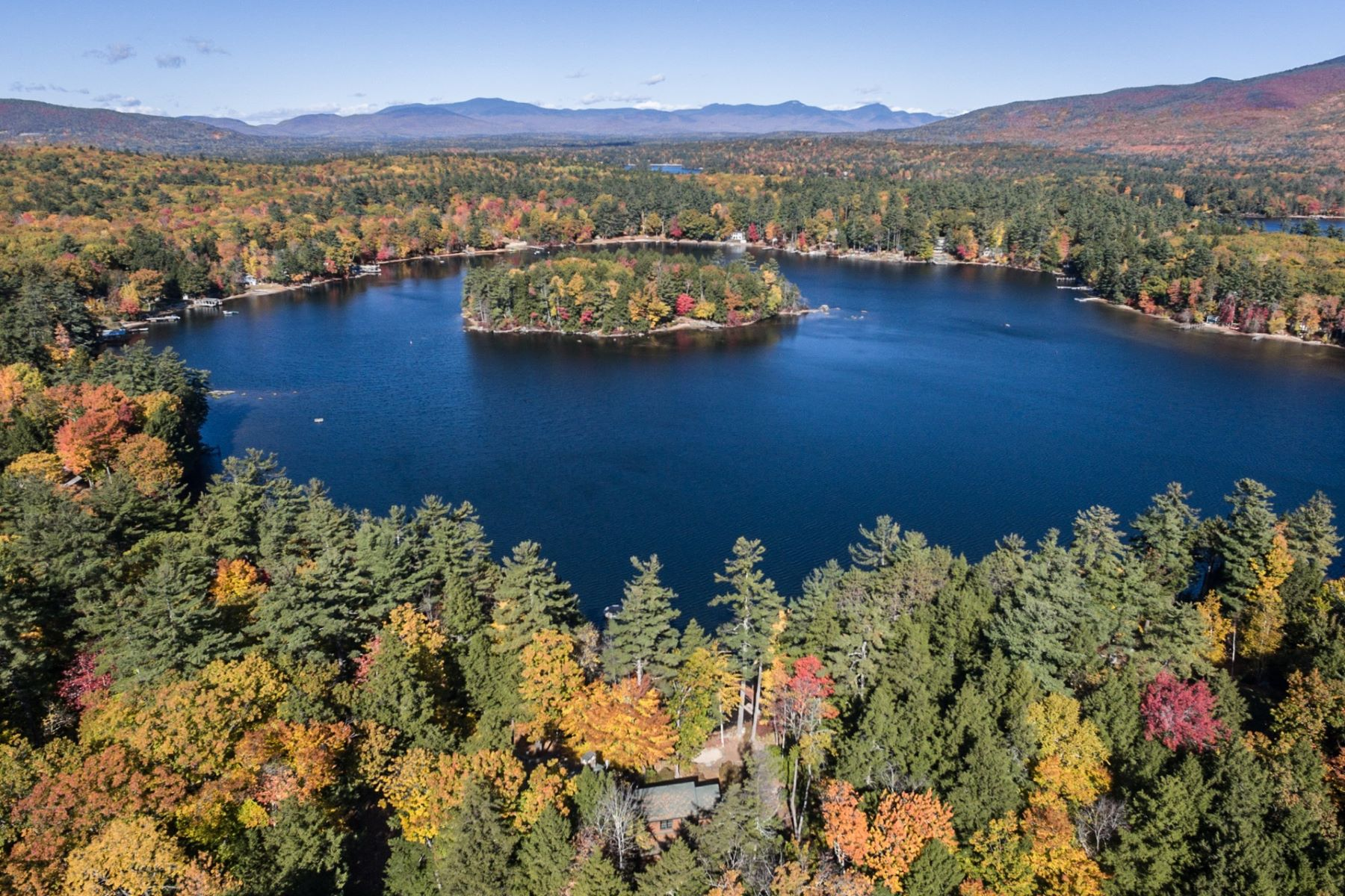 Single Family Home for Sale at Buzzells Cove on Lake Winnipesaukee 131 Buzzells Cove Rd Moultonborough, New Hampshire 03254 United States