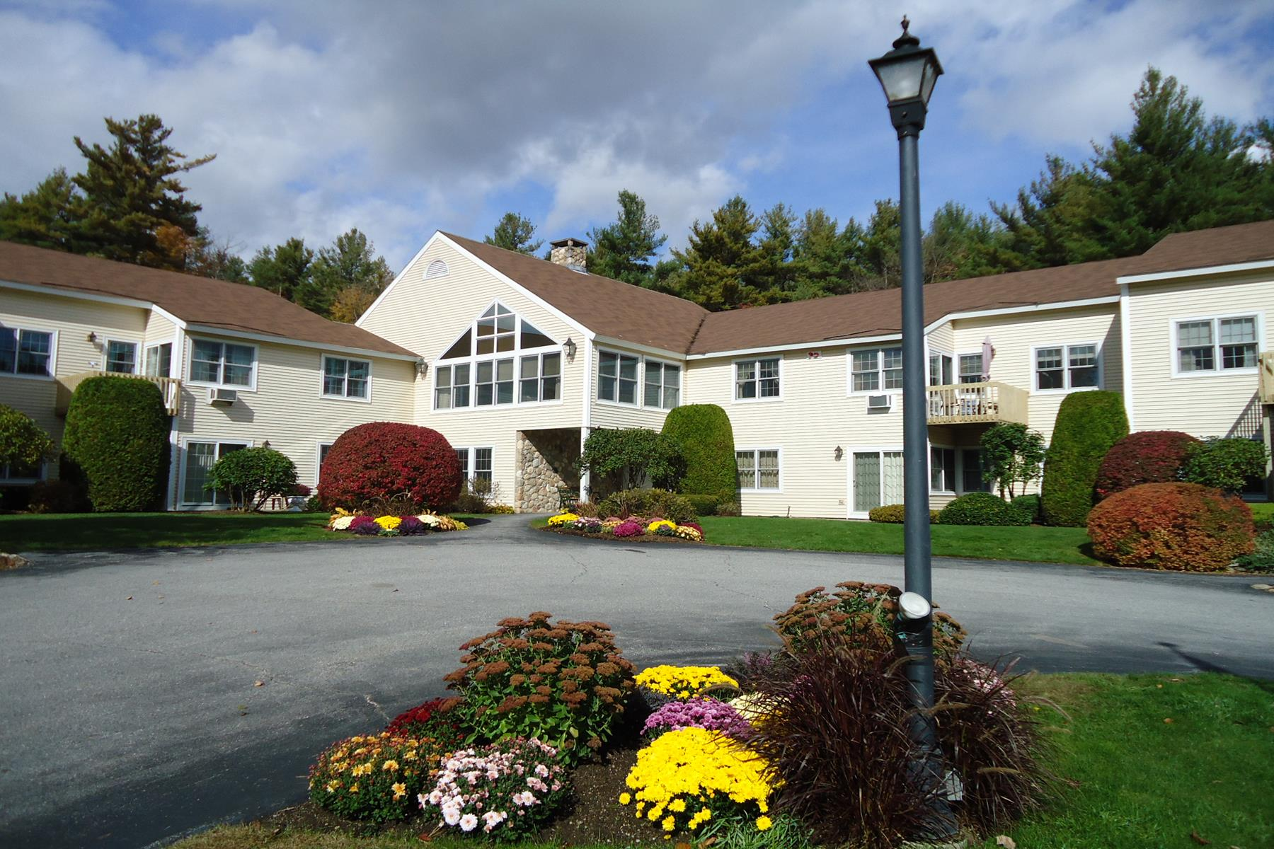 Appartement en copropriété pour l Vente à 332 Parkside Road 25, New London 332 Parkside Rd 25 New London, New Hampshire, 03257 États-Unis