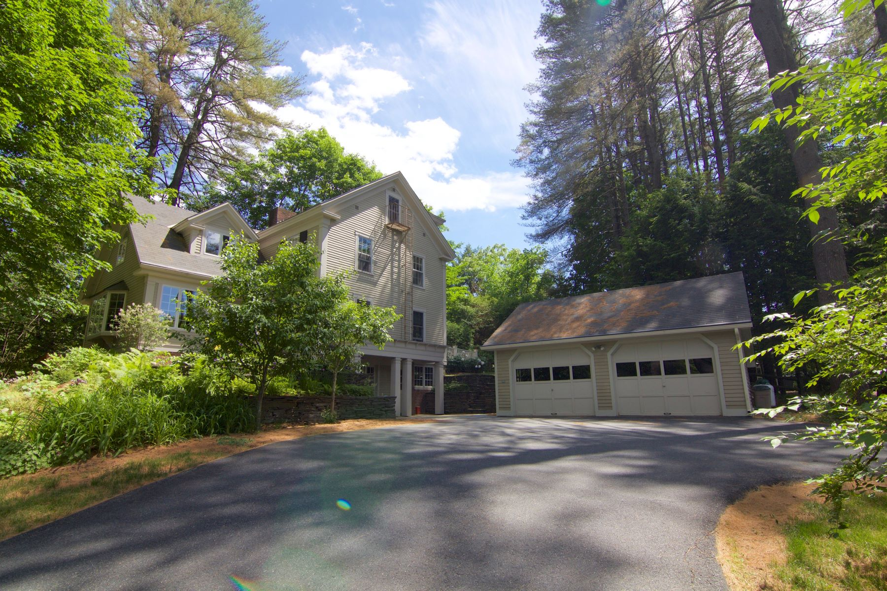 Maison unifamiliale pour l Vente à 20 Valley Rd, Hanover Hanover, New Hampshire, 03755 États-Unis
