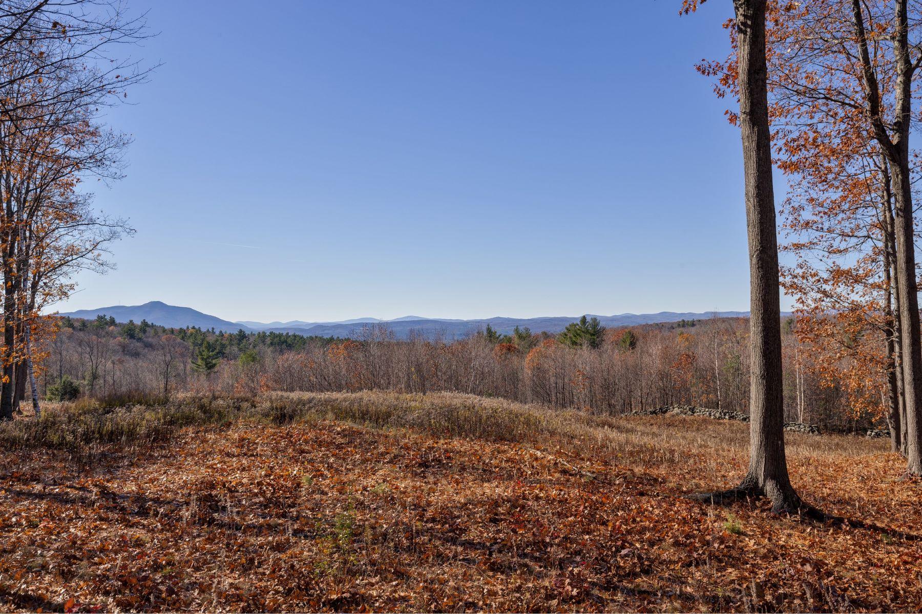Terreno por un Venta en Acreage and panoramic views 210 Columbus Jordan Rd Plainfield, Nueva Hampshire, 03781 Estados Unidos