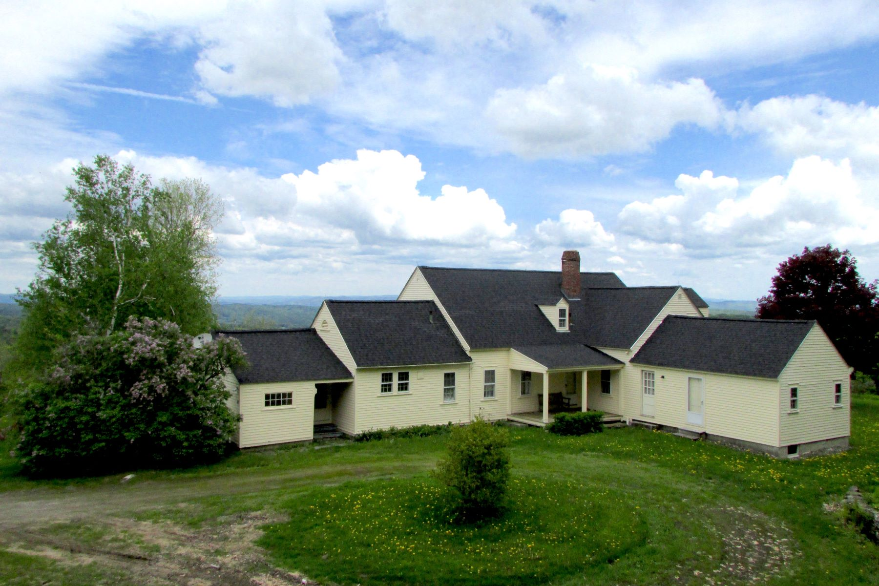 Casa Unifamiliar por un Venta en Amazing Property with Impressive Views 375 Serkin Rd Guilford, Vermont, 05301 Estados Unidos