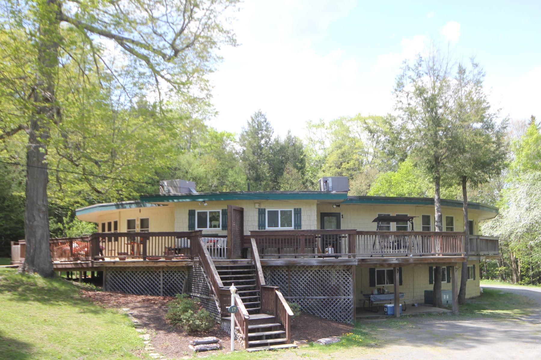 Condominio por un Venta en Easy Access to Vermont Fun 17 Willis Road Unit #1, Wilmington, Vermont, 05363 Estados Unidos