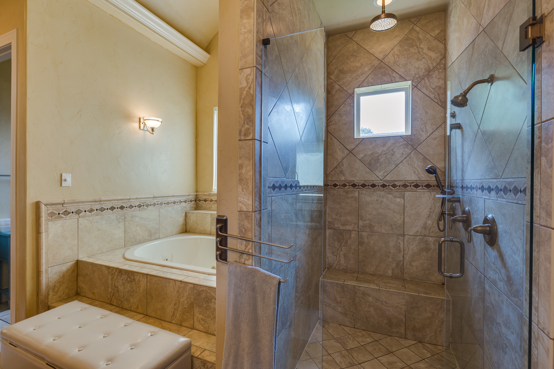 Additional photo for property listing at Grand Mediterranean Estate in Terrell Hills 821 Canterbury Hill St San Antonio, Texas 78209 United States