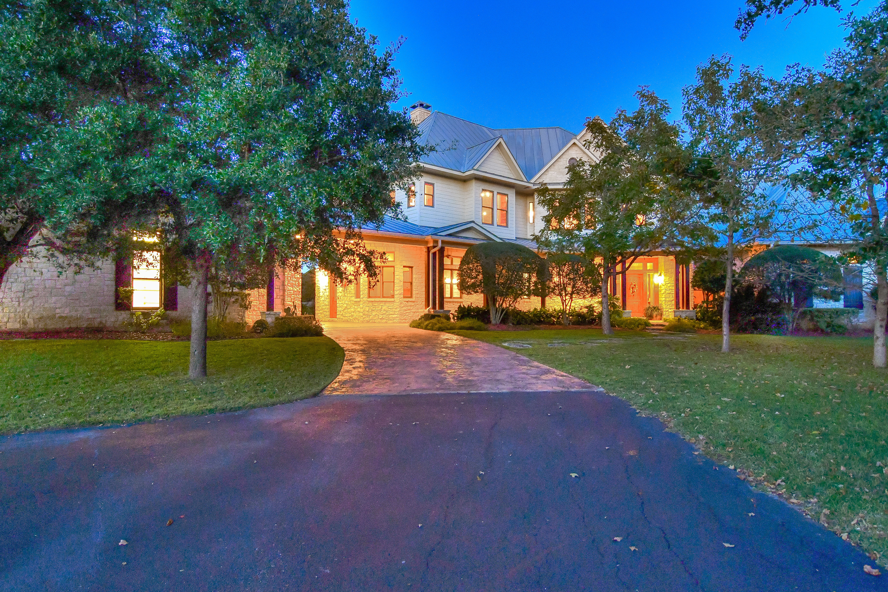 Single Family Home for Sale at Gorgeous Hill Country Estate on Over 26 Acres 135 Woodland Ranch Rd Boerne, Texas 78015 United States