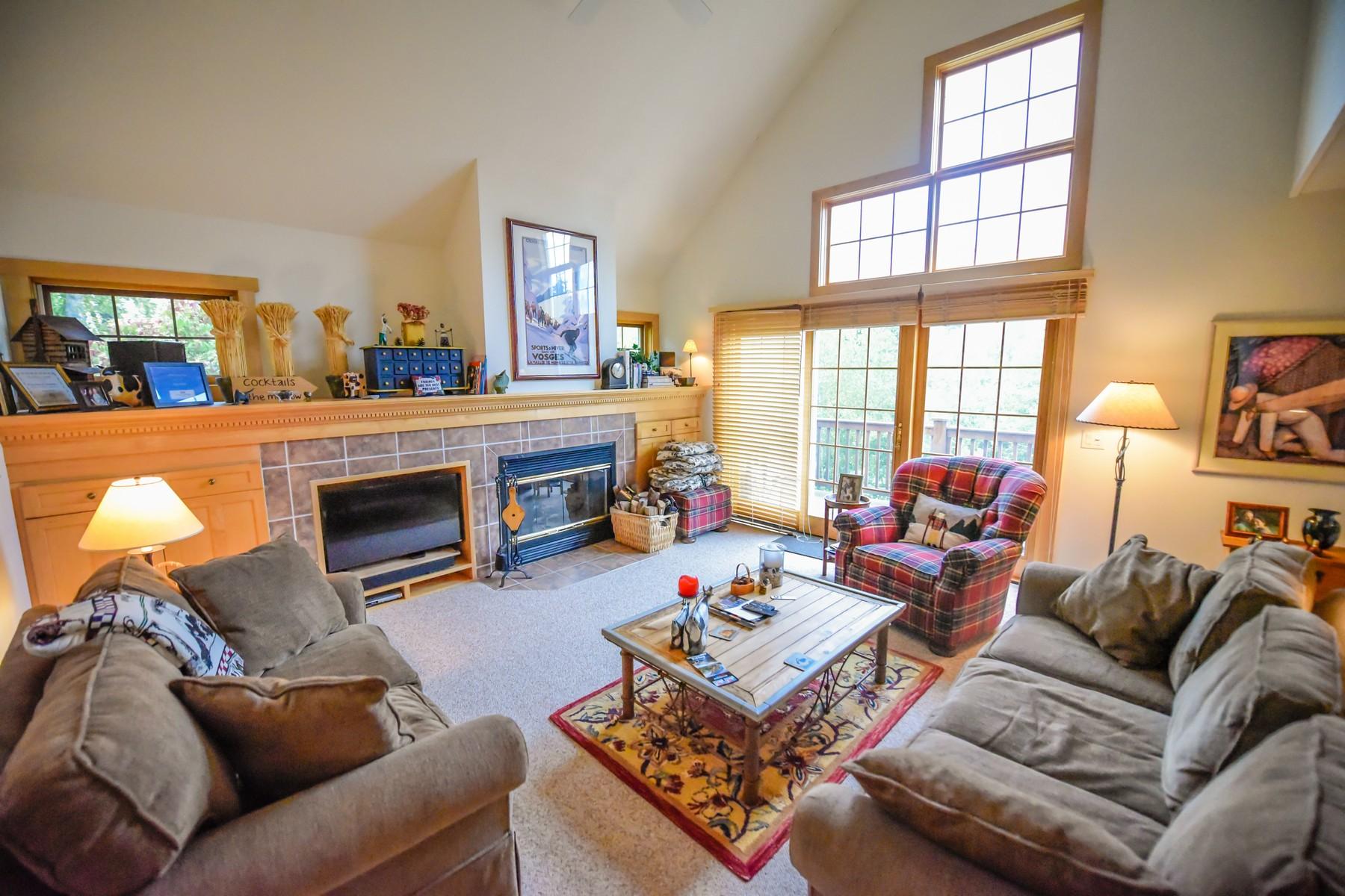 共管式独立产权公寓 为 销售 在 25A Dover Springs, Dover 多佛, 佛蒙特州, 05356 美国