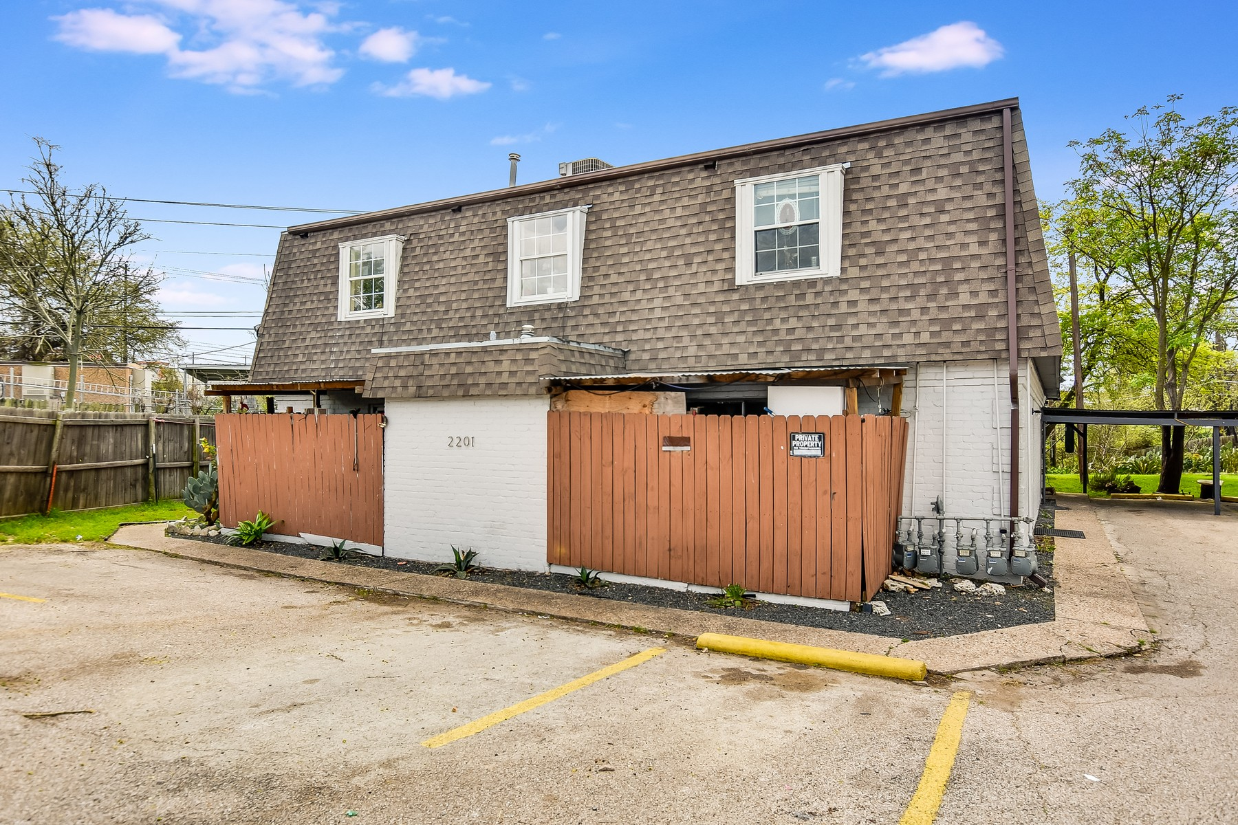 Otras residenciales por un Alquiler en Lease Opportunity on Mission Hill 2201 Mission Hill Cir 3 Austin, Texas 78741 Estados Unidos