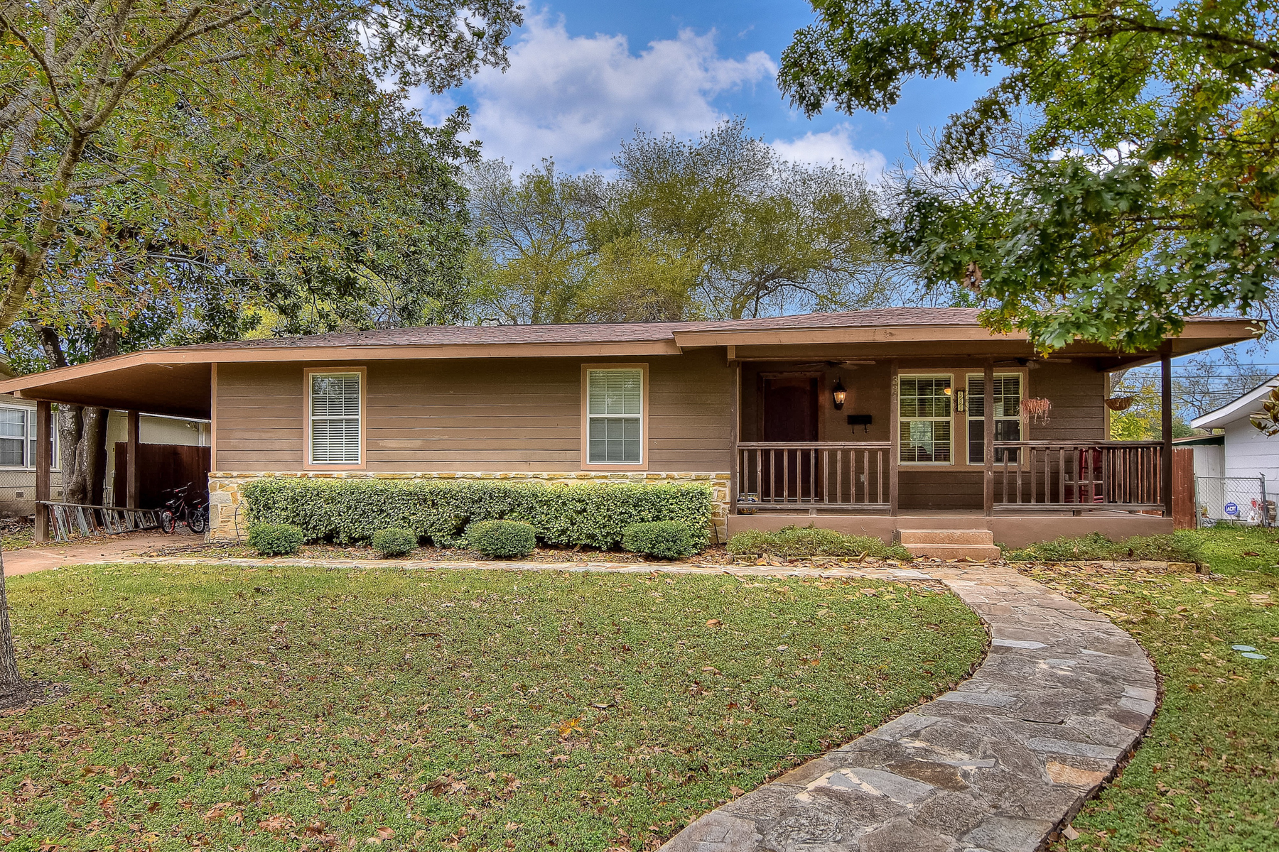 Single Family Home for Sale at Great Home in Terrell Heights 331 Larchmont Dr San Antonio, Texas 78209 United States