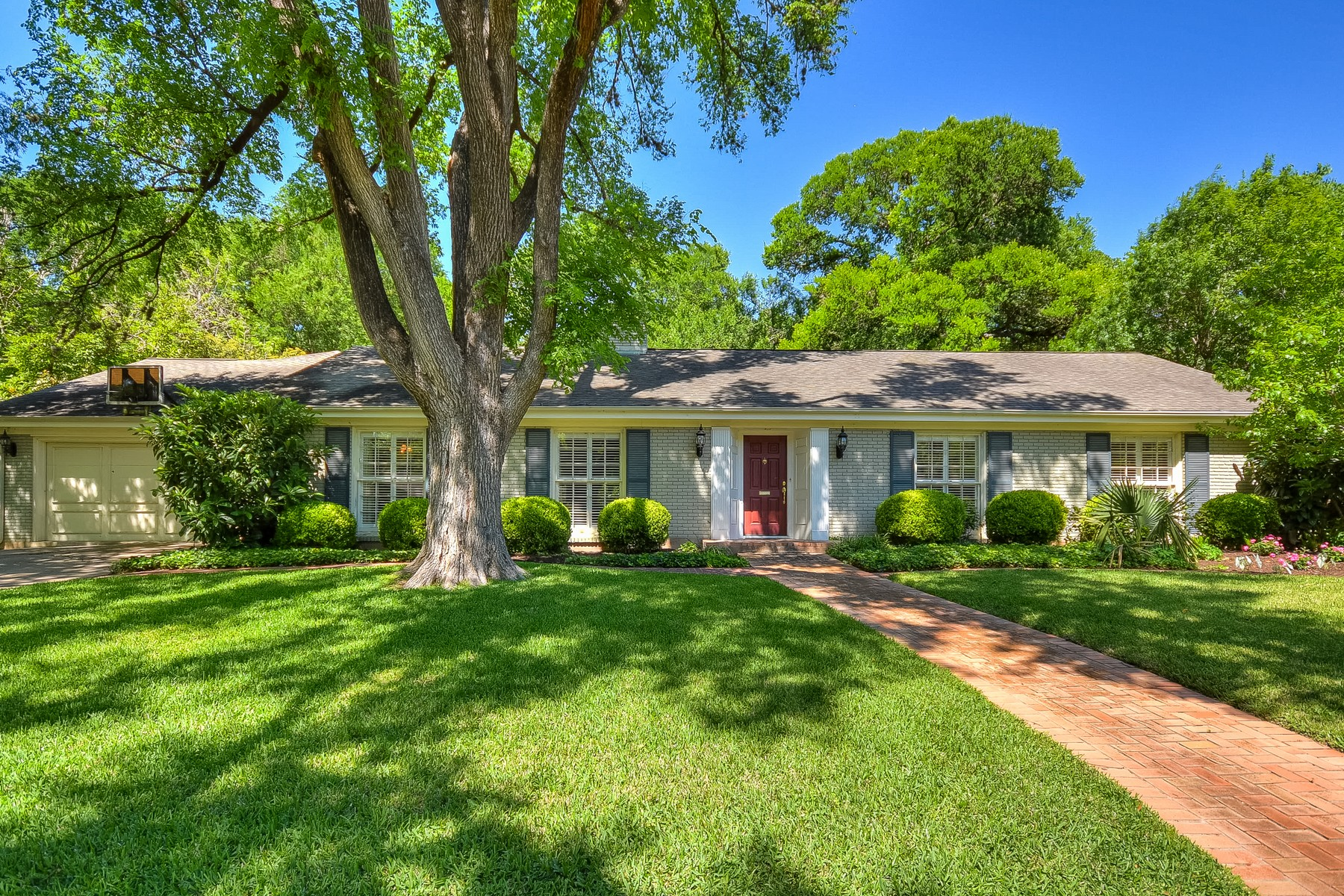 Single Family Home for Sale at Wonderful Traditional Tarrytown Home 3306 Stevenson Ave Austin, Texas 78703 United States