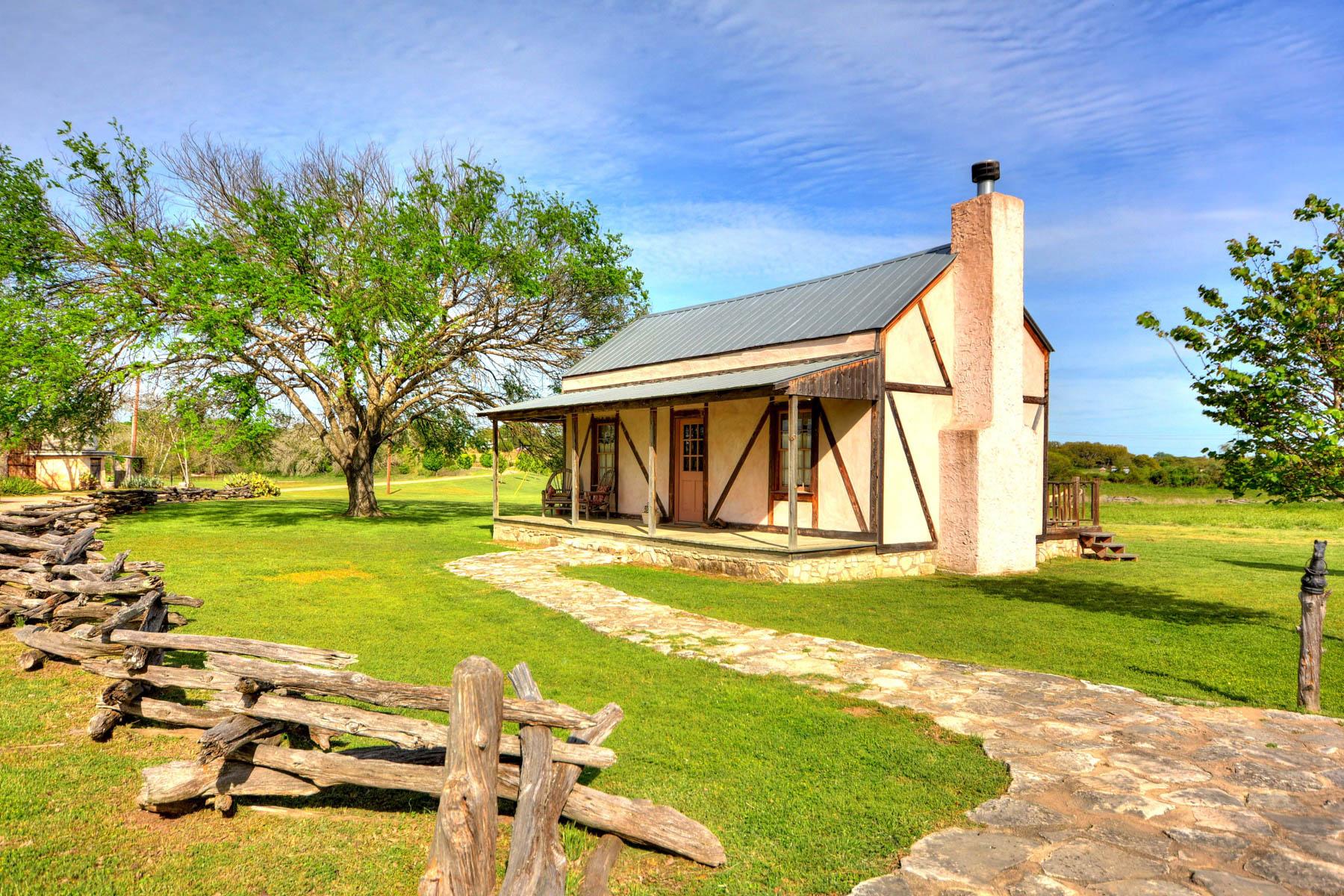 Additional photo for property listing at Amazing Fredericksburg Property on 36-/+ Acres 457 Bob Moritz Fredericksburg, Texas 78624 United States