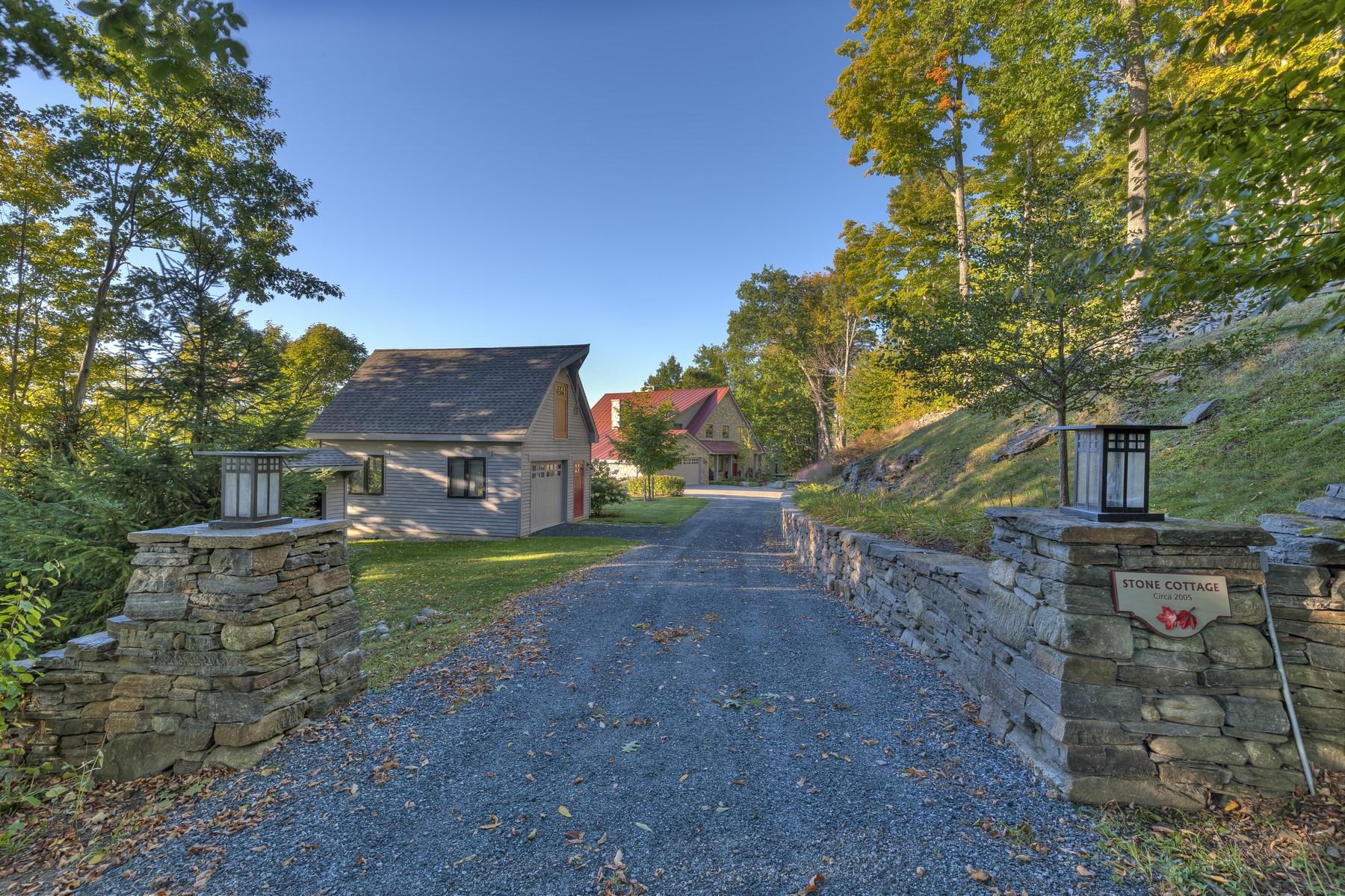 Частный односемейный дом для того Продажа на 396 Noyes, Hartford Hartford, Вермонт, 05059 Соединенные Штаты