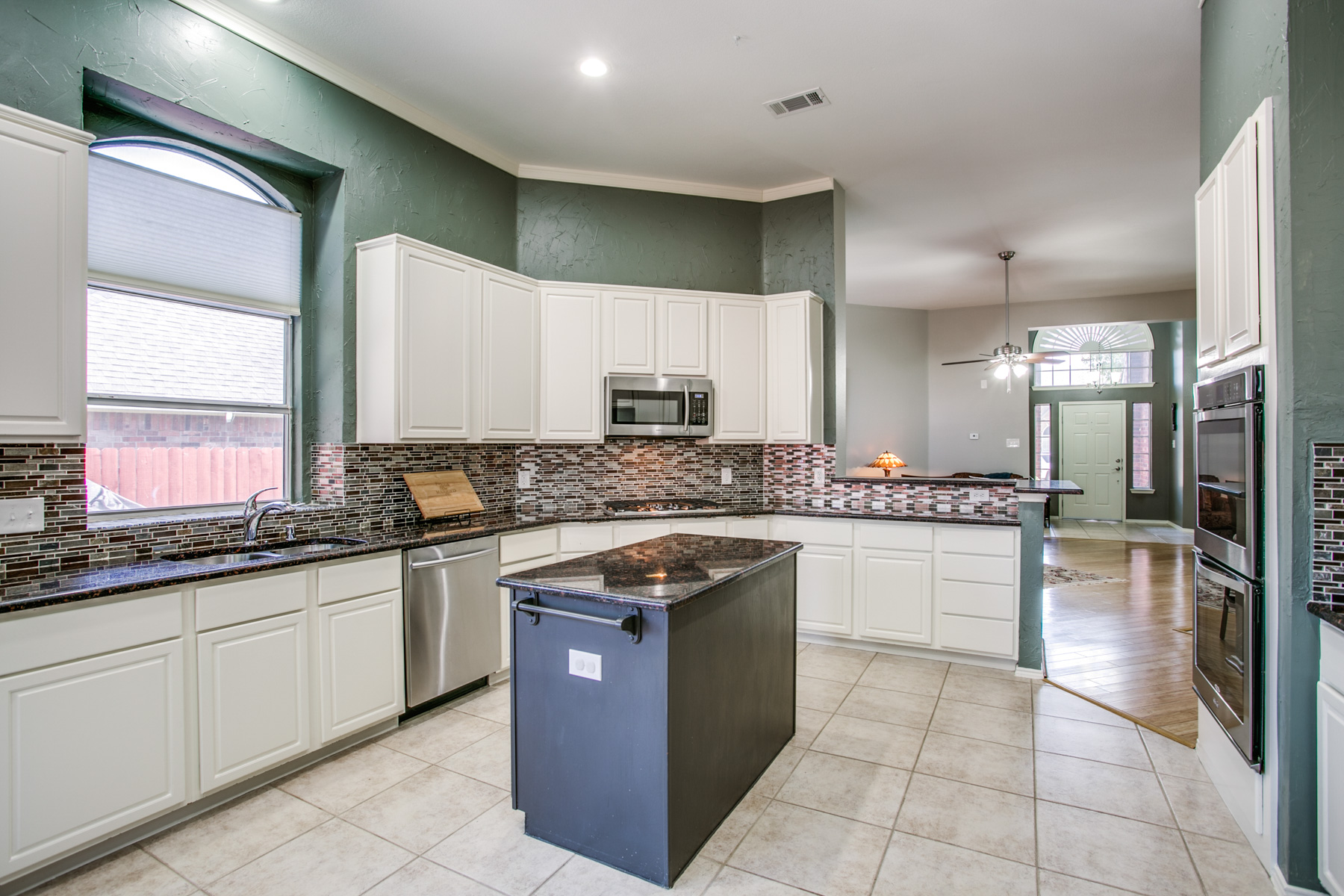 Single Family Home for Sale at Fresh and Open Single Story Gem 504 Rookery Ct McKinney, Texas 75070 United States