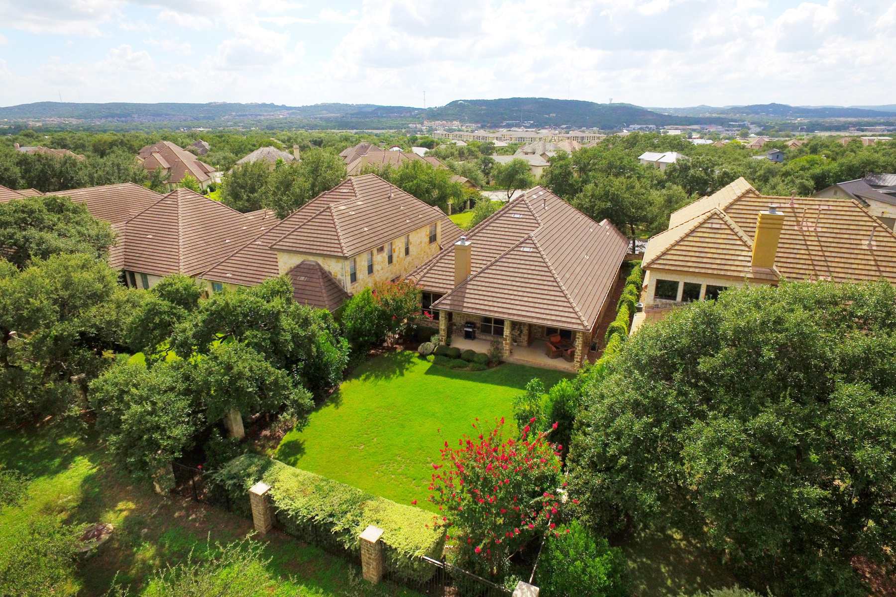 Additional photo for property listing at Beautiful Single-Story Home in The Dominion 76 Westcourt Ln San Antonio, Texas 78257 Estados Unidos