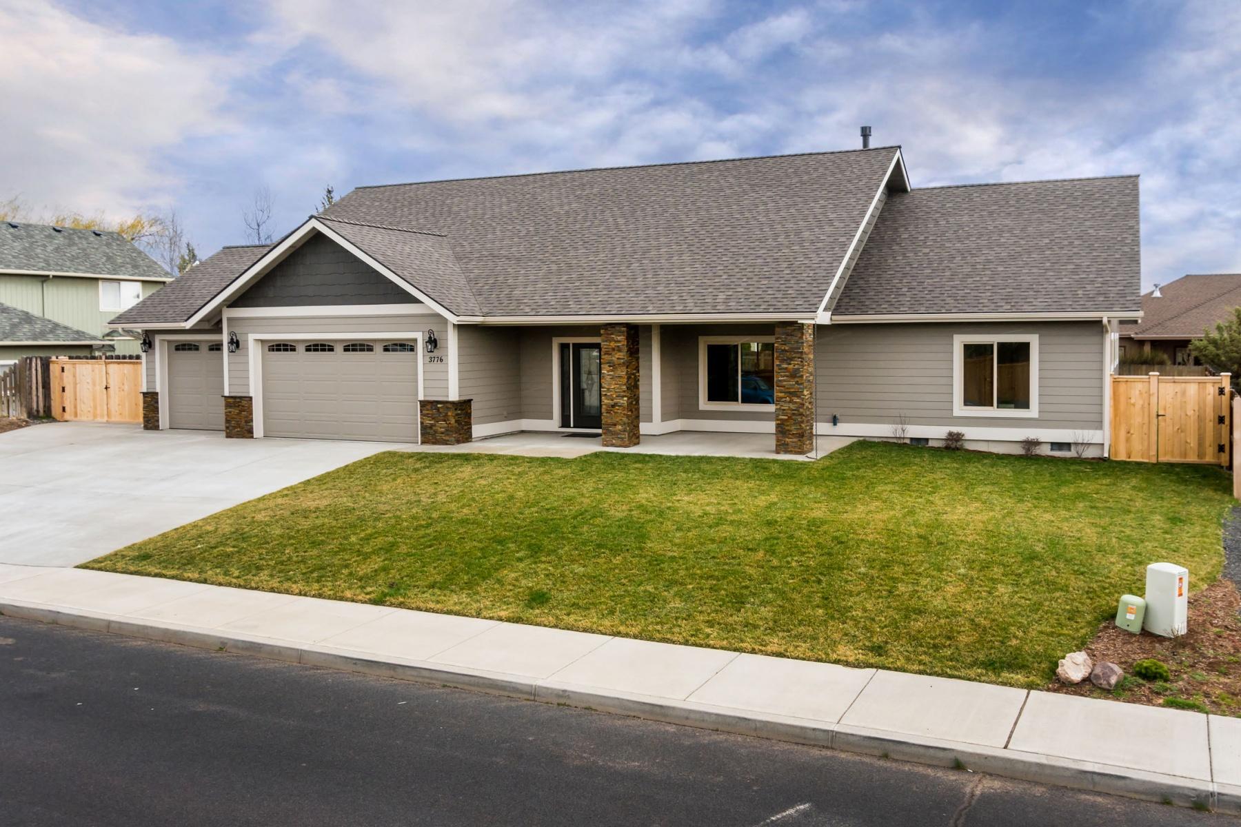 Maison unifamiliale pour l Vente à 3776 SW Wickiup Place, REDMOND Redmond, Oregon, 97756 États-Unis