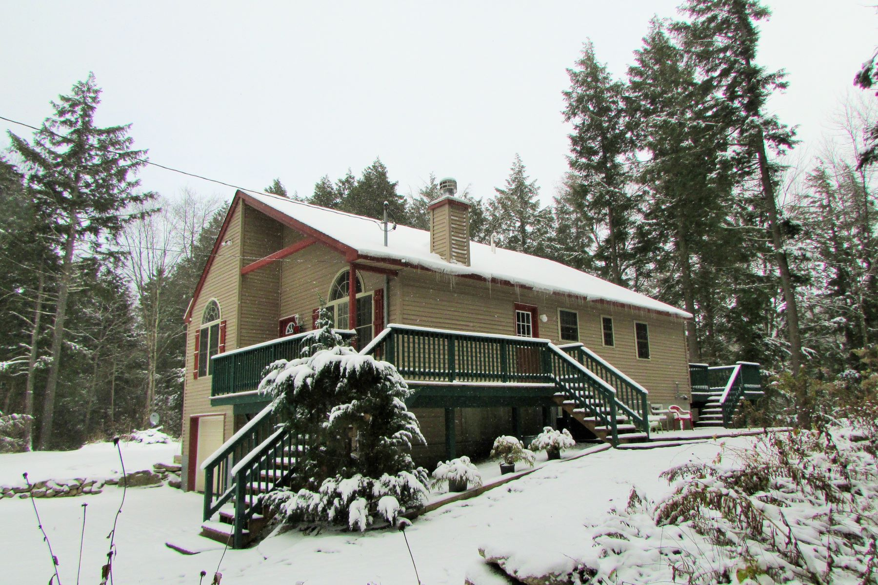 Maison unifamiliale pour l Vente à Close to Ski Resorts 180 Boardman Loop Wardsboro, Vermont, 05355 États-Unis