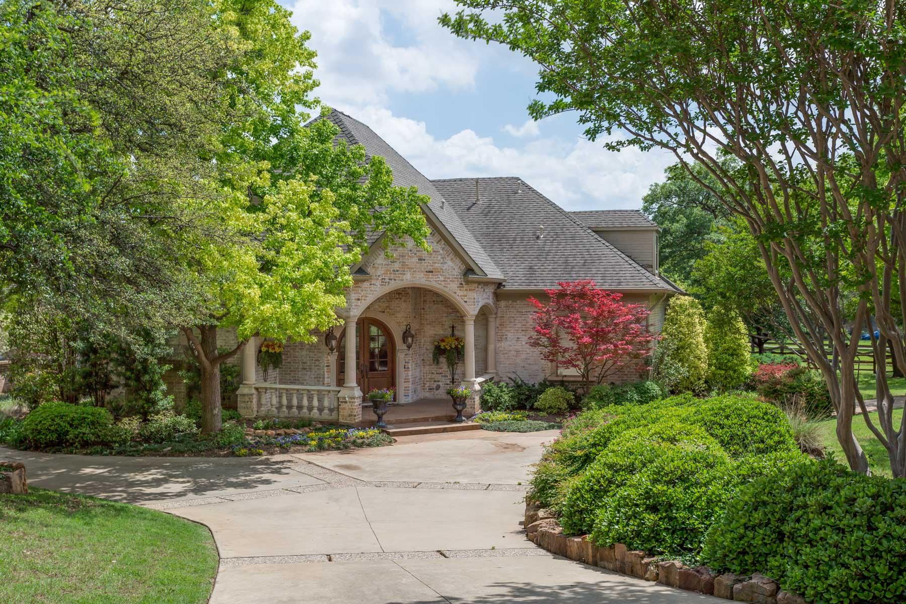 Tek Ailelik Ev için Satış at Horse Estate in Stonebriar Creek 3 Cliff Trl Frisco, Teksas, 75034 Amerika Birleşik Devletleri