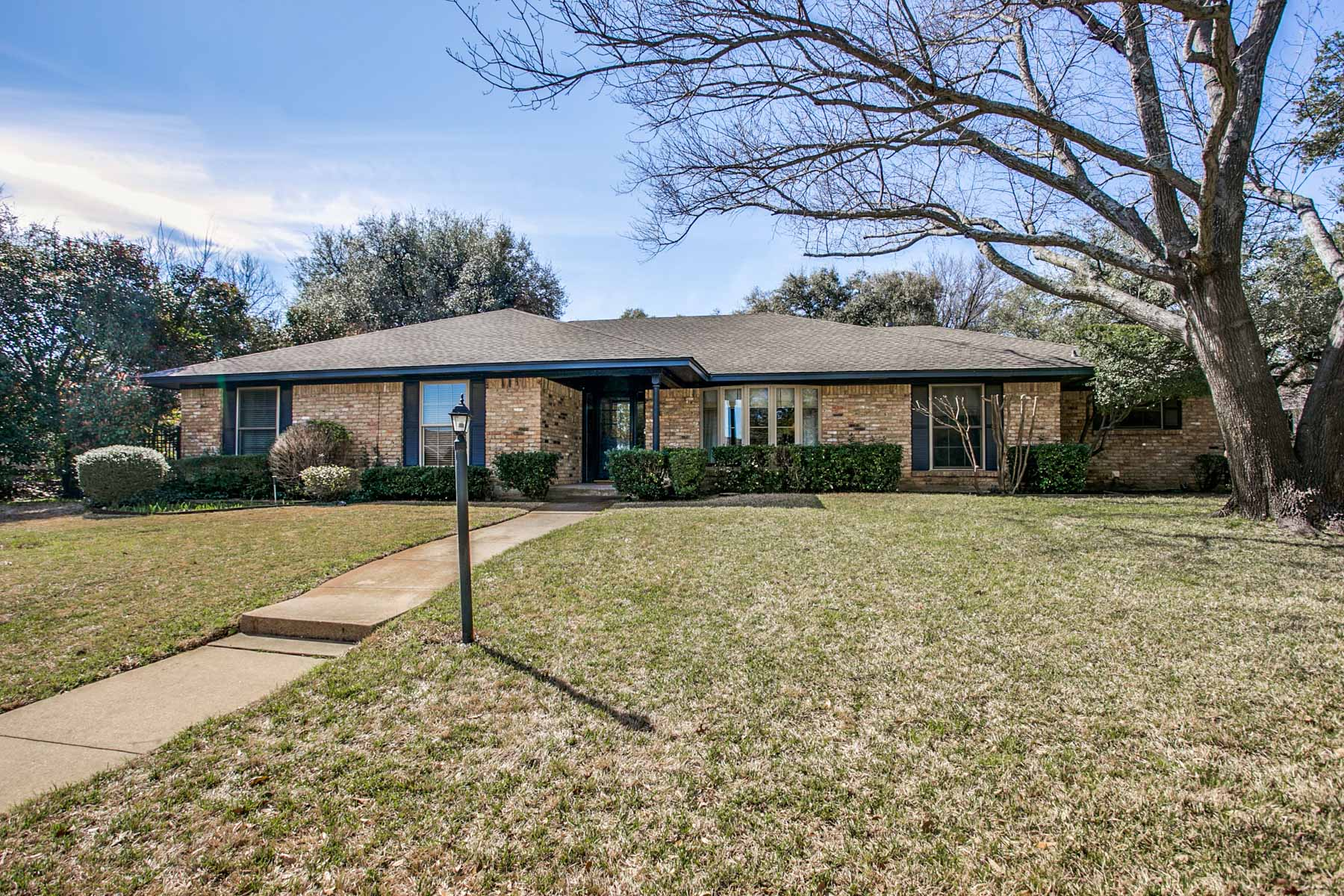 Single Family Home for Sale at 4350 Capra Way, Benbrook Benbrook, Texas, 76126 United States