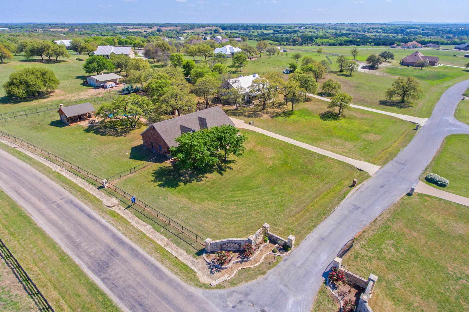 Single Family Home for Sale at 101 Trace Dr, Weatherford Weatherford, Texas 76087 United States
