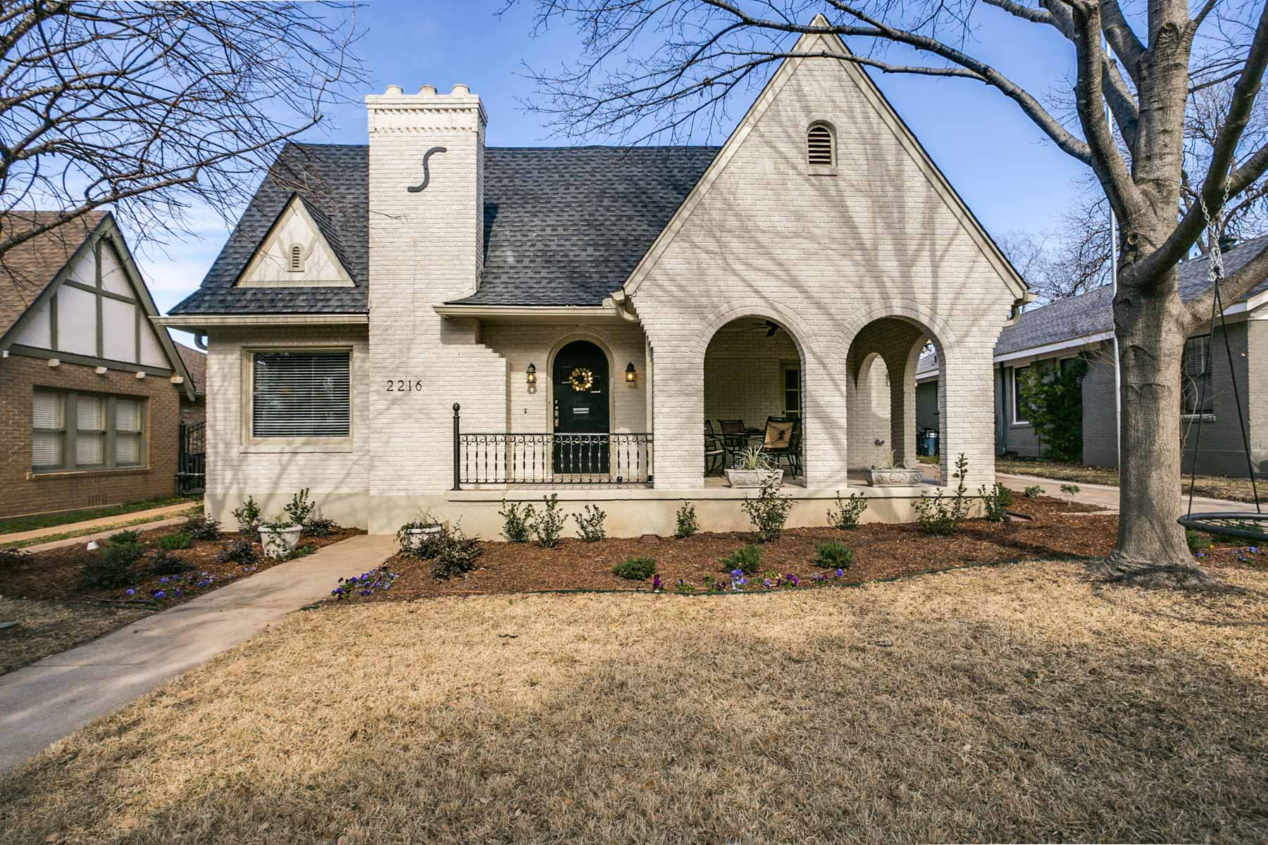 Maison unifamiliale pour l Vente à 2216 Wilshire Blvd, Fort Worth Fort Worth, Texas, 76110 États-Unis