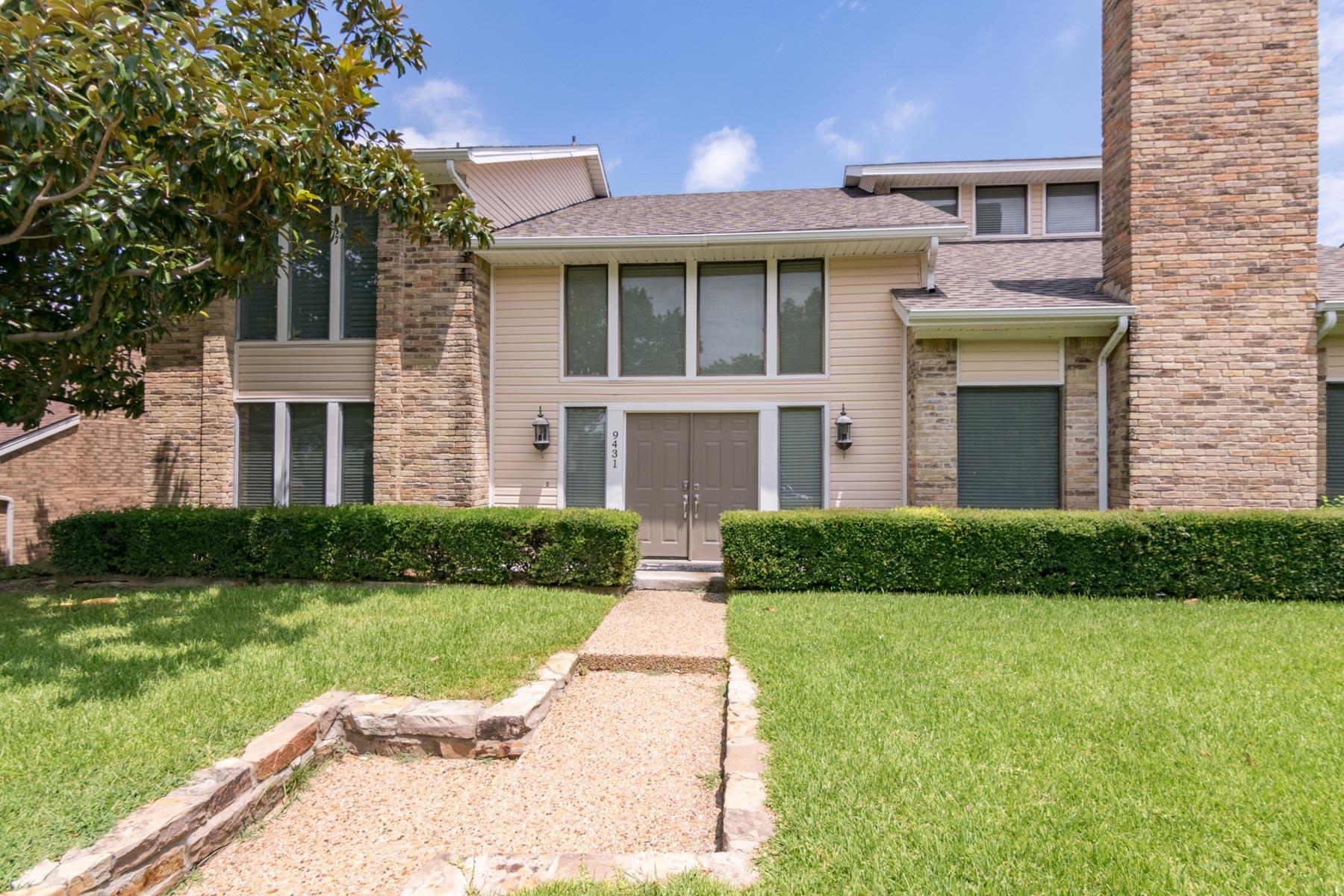 Nhà ở một gia đình vì Bán tại Lake Highlands Soft Contemporary 9431 Viewside Dr Dallas, Texas, 75231 Hoa Kỳ