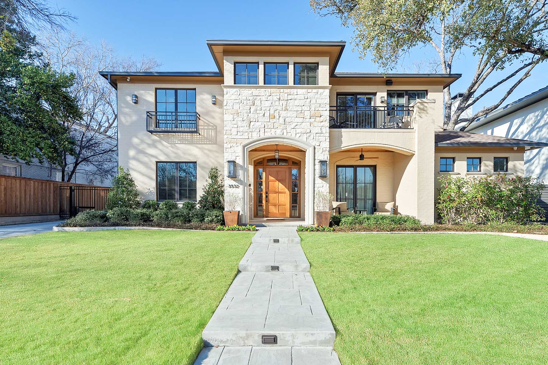 Casa Unifamiliar por un Venta en State of the Art Monticello, Traditional 3532 Dorothy Lane N Fort Worth, Texas, 76107 Estados Unidos