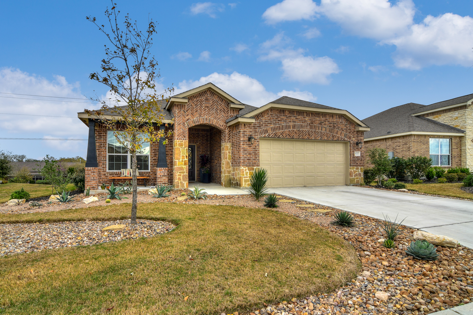 Single Family Home for Sale at Breathtaking One-Story in Hill Country Retreat 4222 Paddling Pass San Antonio, Texas 78253 United States