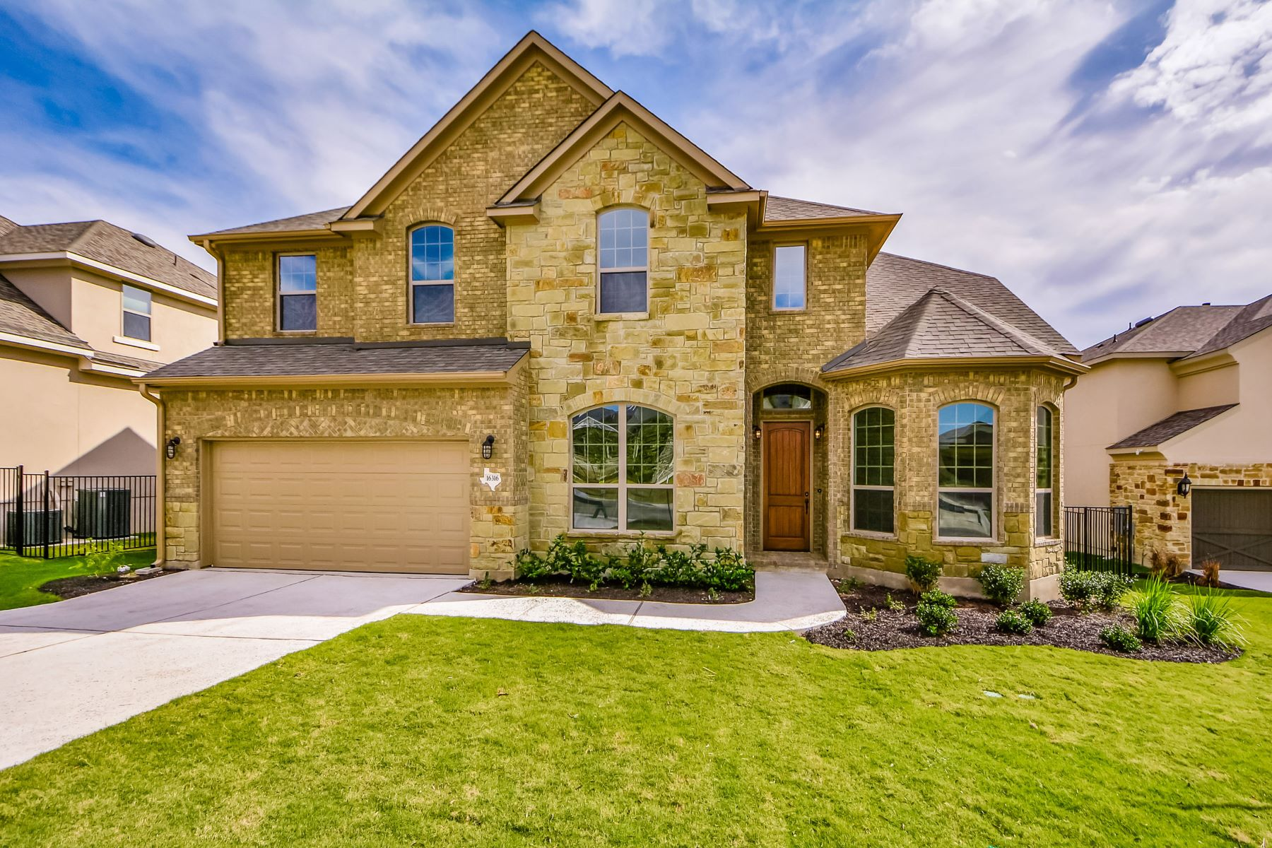 Single Family Home for Sale at Beautiful Home in Rocky Creek 16316 Leopold Trl Austin, Texas 78738 United States