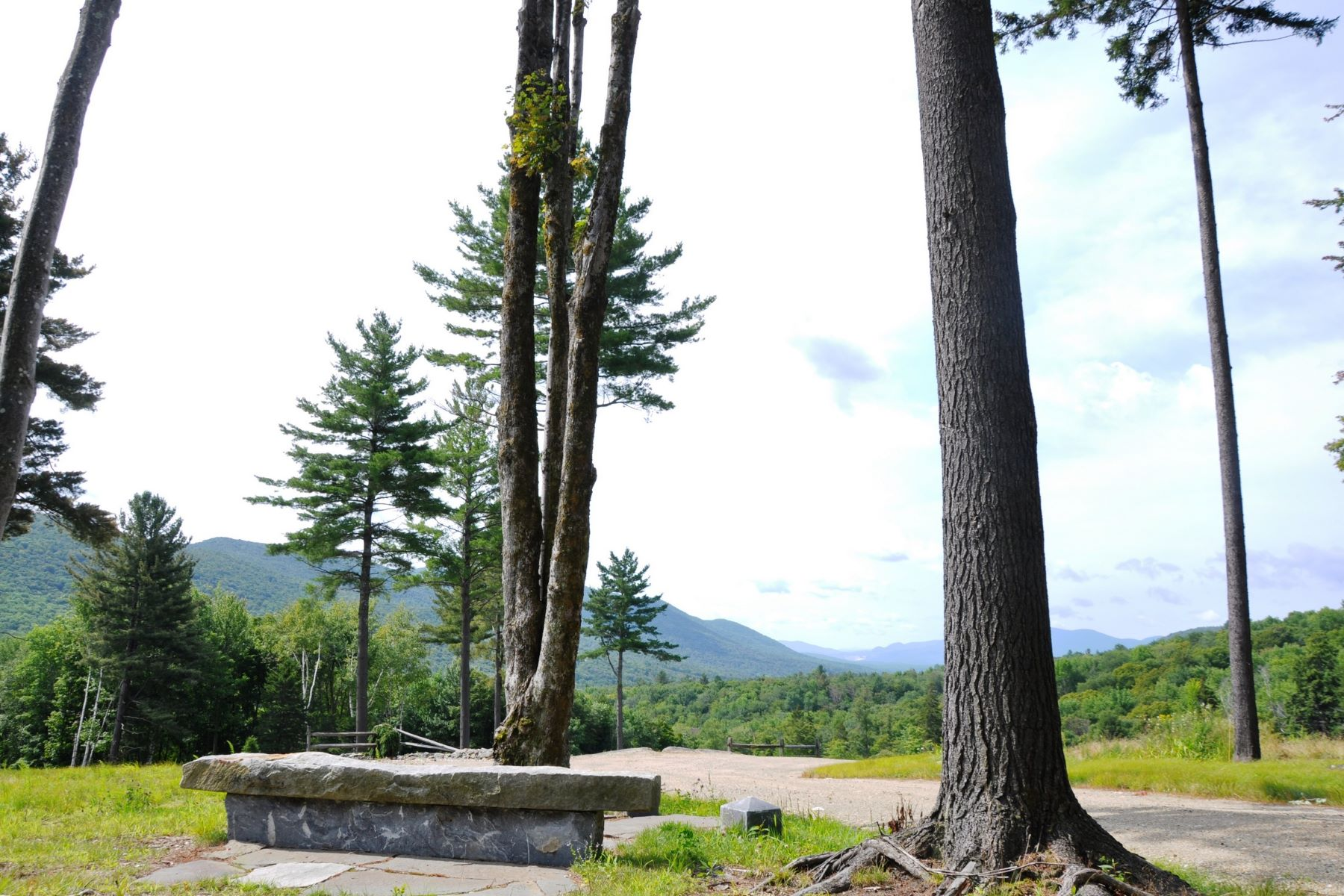 土地 为 销售 在 Views and VAST Access 537 Sportsman Rd Stamford, 佛蒙特州, 05352 美国