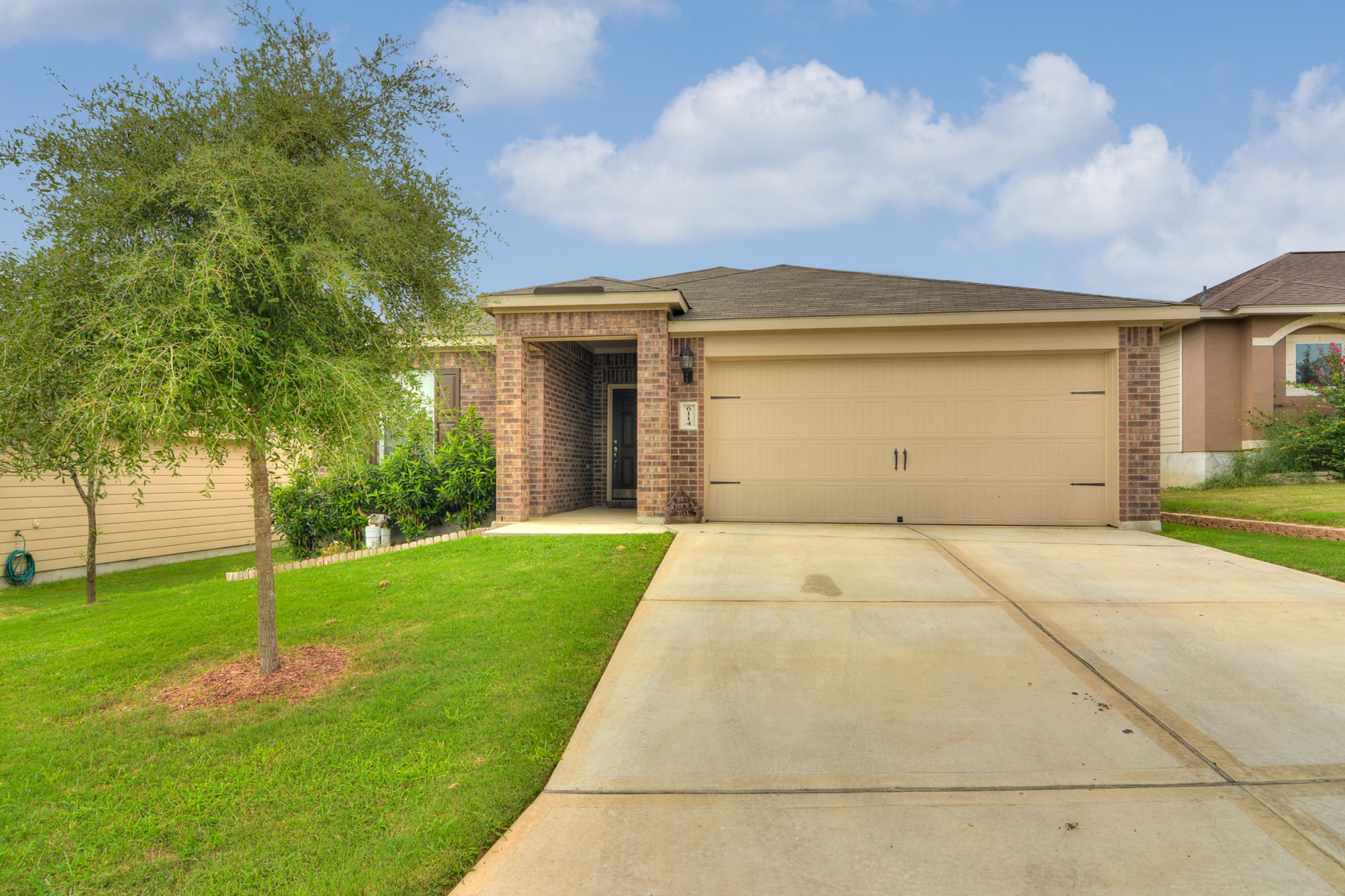 Casa Unifamiliar por un Venta en Beautiful One-Story in Foster Meadows 6114 Pleasant Meadow San Antonio, Texas 78222 Estados Unidos