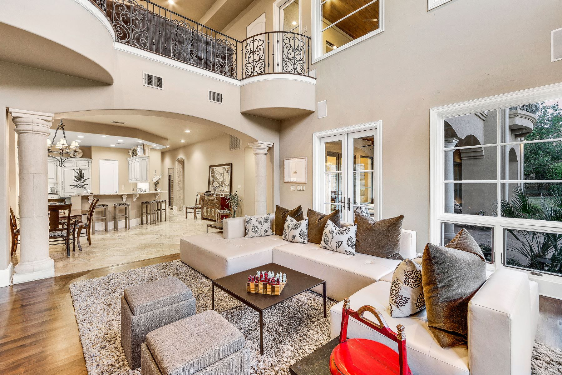 Additional photo for property listing at Sophisticated Barton Creek Estate 8416 Calera Dr Austin, Texas 78735 United States