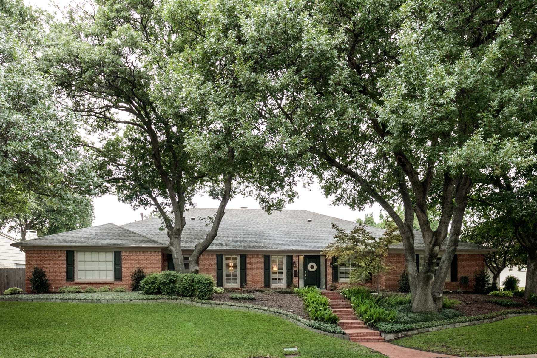 Moradia para Venda às Quiet Culdesac Loacation in Tanglewood 4416 Summercrest Ct Fort Worth, Texas, 76109 Estados Unidos