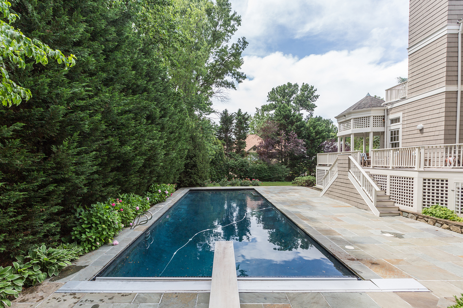 Additional photo for property listing at 7207 Delfield Street, Chevy Chase  Chevy Chase, 메릴랜드 20815 미국