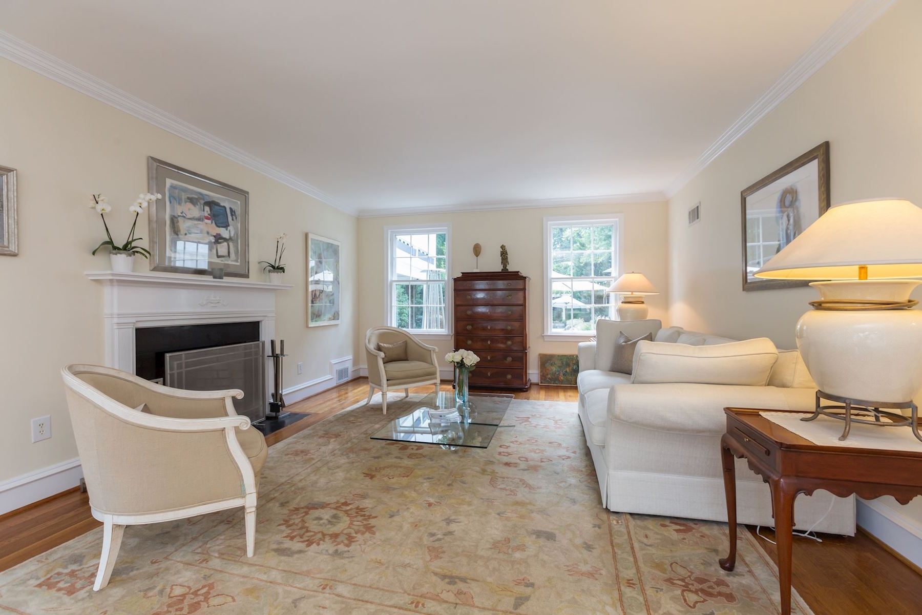 Additional photo for property listing at 5153 Tilden Street  Washington, District De Columbia 20016 États-Unis
