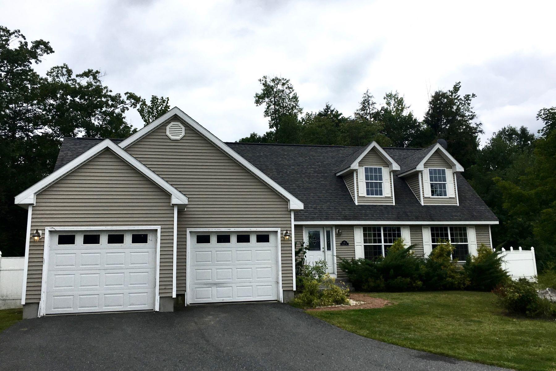 Частный односемейный дом для того Продажа на 65 Conifer 6905, Hartford Hartford, Вермонт, 05001 Соединенные Штаты