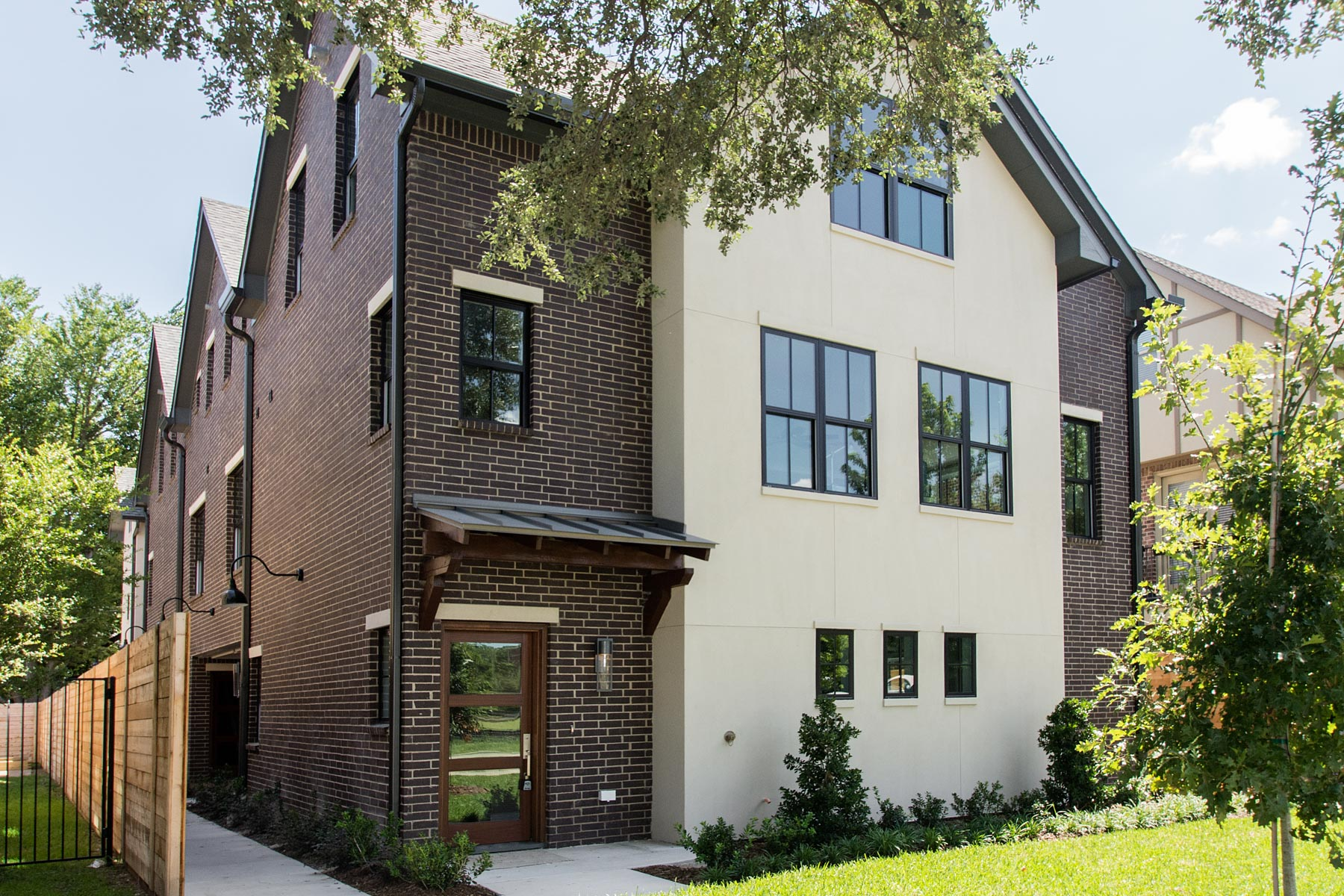 Maison unifamiliale pour l Vente à 3-Story Contemporary New Construction 4121 Grassmere Ln 2 Dallas, Texas, 75205 États-Unis