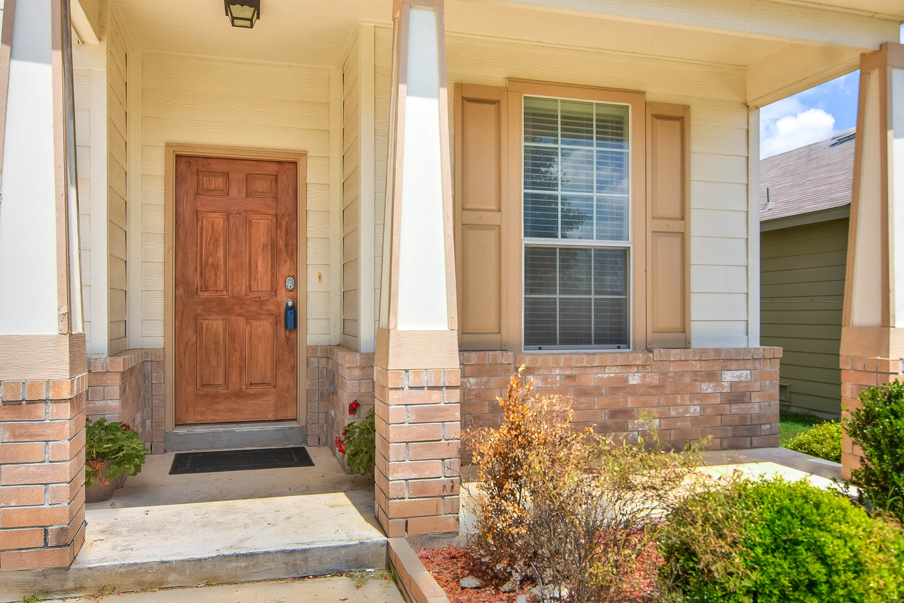 Single Family Home for Sale at Move-In Ready Home in The Bluffs of Stonehaven 7639 Paraiso Haven Boerne, Texas 78015 United States